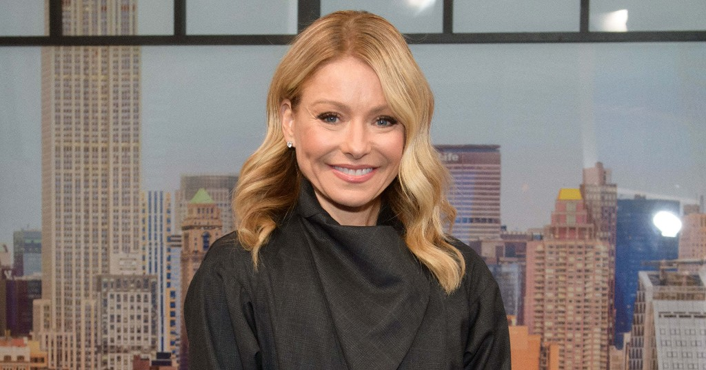 Turns Out Kelly Ripa Has Been Stuck In The Caribbean This Whole Time