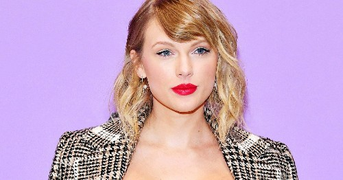 So, Taylor Swift Her Cats Eat At The Same Dinner Table