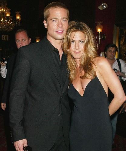 Brad Pitt & Jennifer Aniston's Reunion At The SAG Awards Has Celebs Losing It