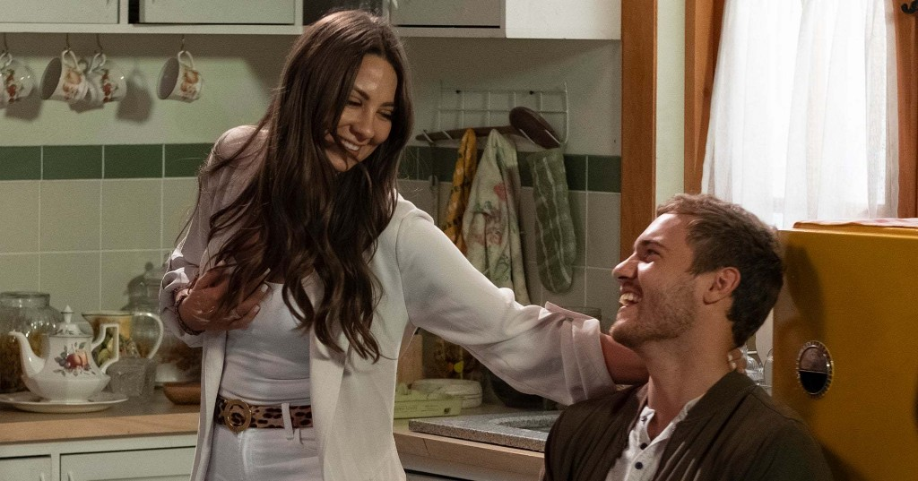 Kelley Flanagan's Behind-The-Scenes Bachelor Gossip & Other Bachelor Nation News You May Have Missed