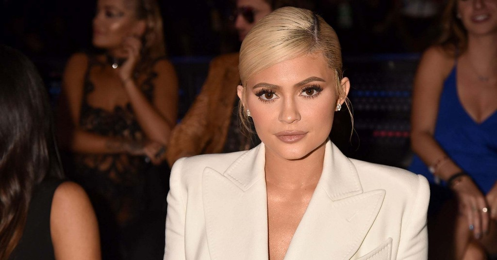 "Kylie Jenner Is Trading In Glam Looks For A ""Hair Health Journey"" During Quarantine"