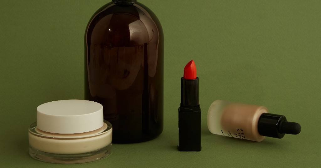 'Beauty Laid Bare' Is A Shocking New Doc That'll Make You Rethink Your Makeup Bag