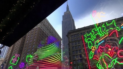 Robots, UFOs, and Santa; how New York celebrates the holidays   Reuters Video