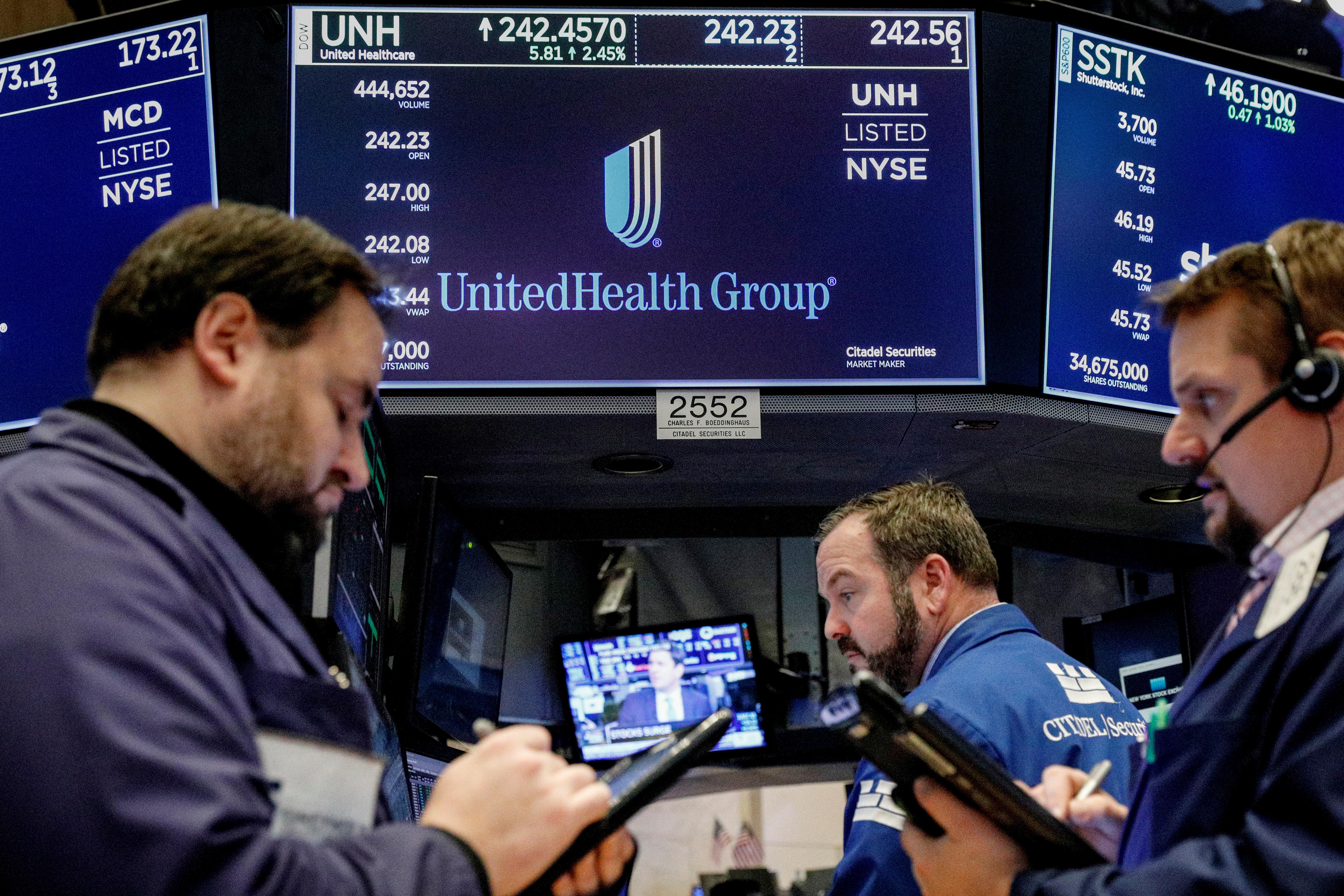 U.S. judge will not block Amazon-Berkshire-JPMorgan health venture's new hire