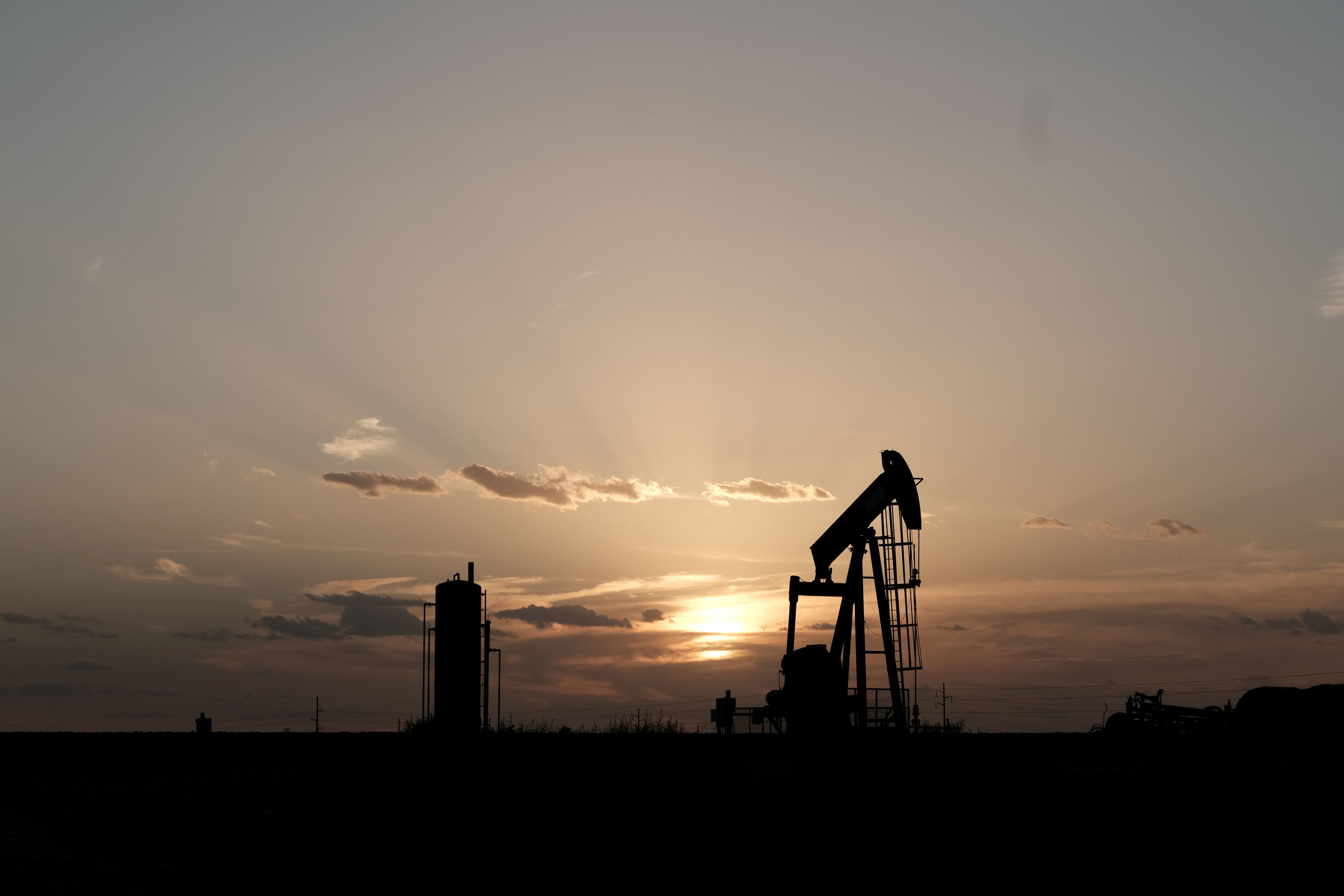 Global spare oil capacity in U.S. hands after Saudi outage