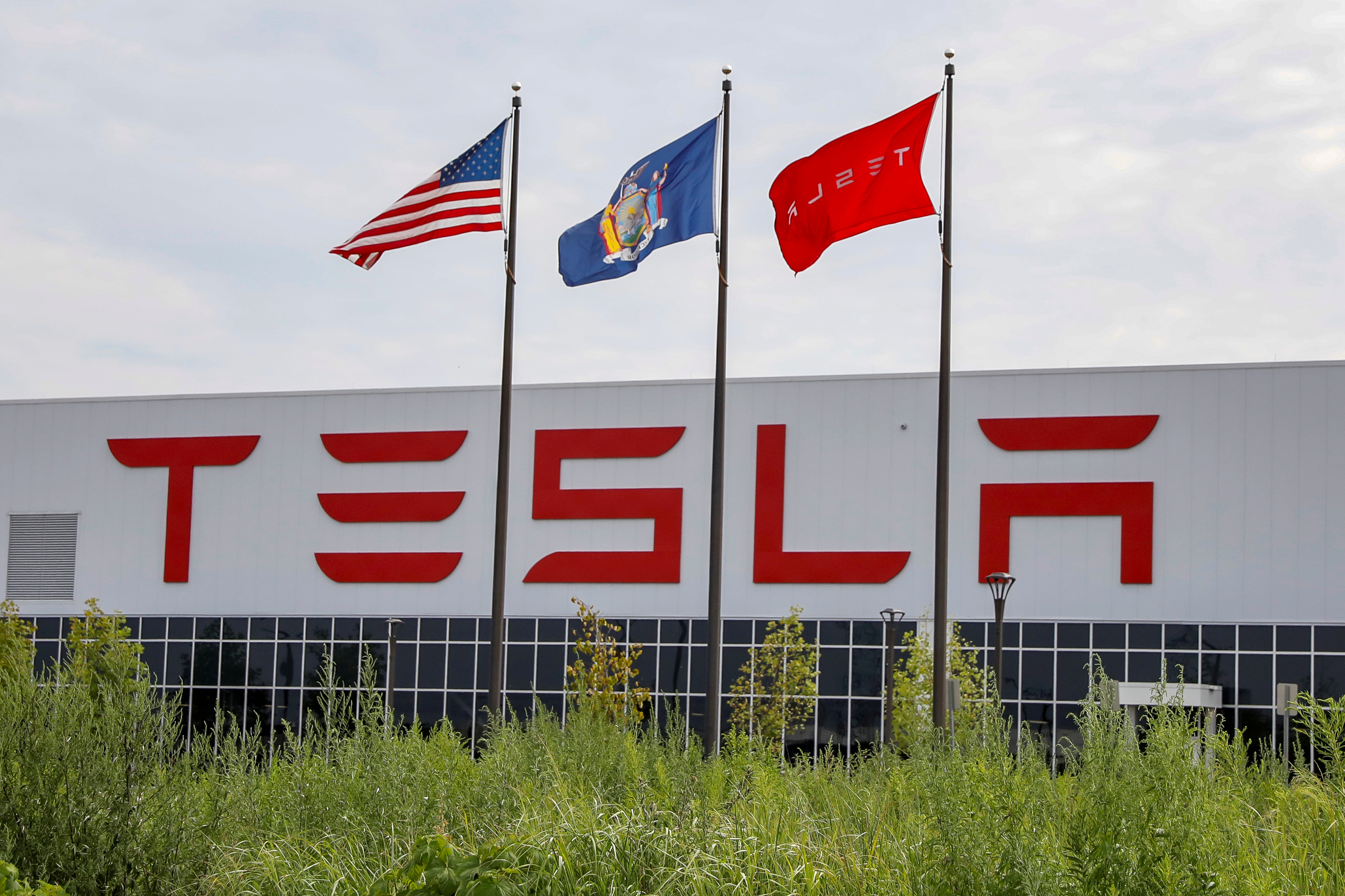 Tesla slashes prices on home solar systems to spur sales