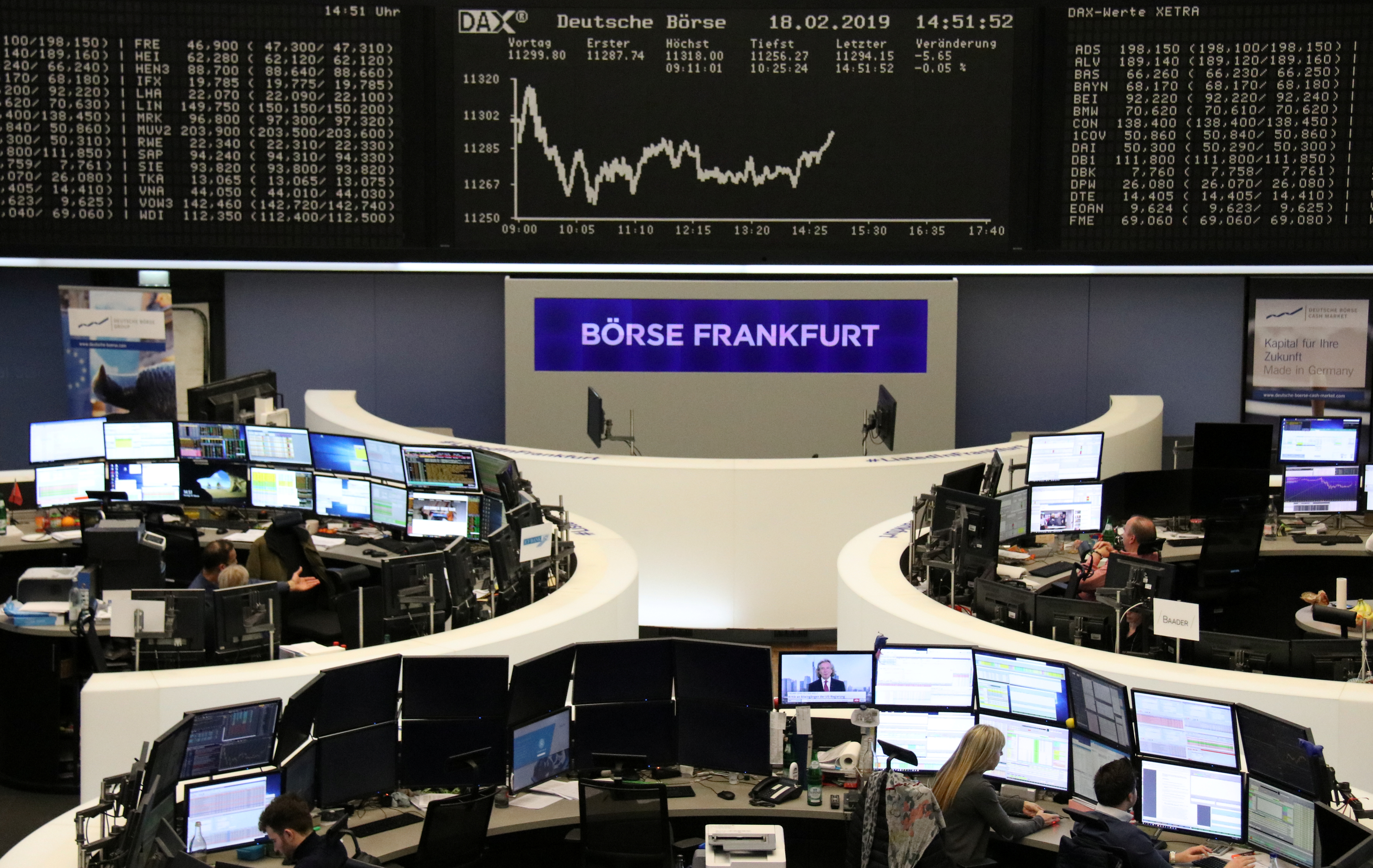 World stocks lifted to 2 1/2-month highs by trade optimism