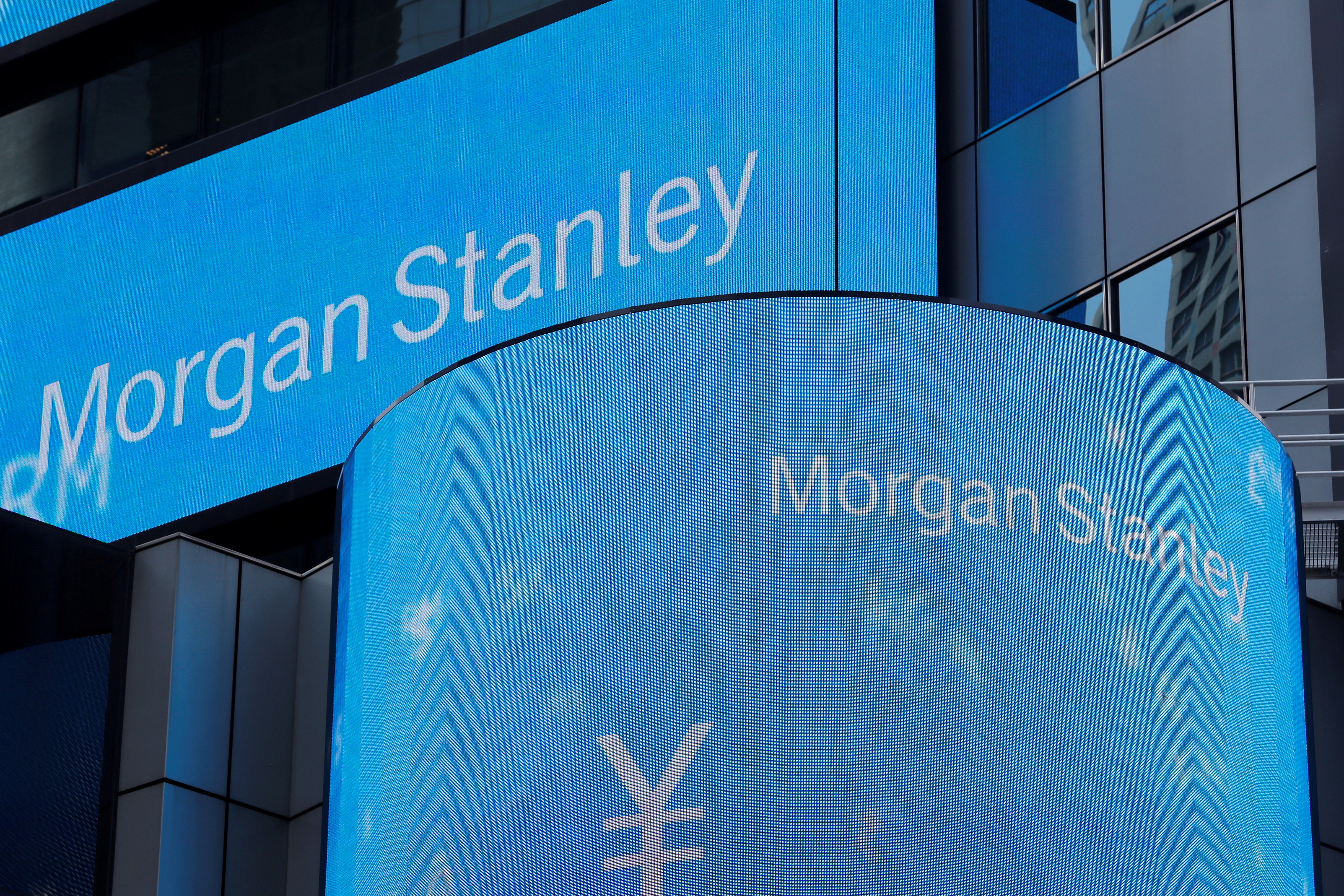 Morgan Stanley shareholders vote to approve executive pay, director