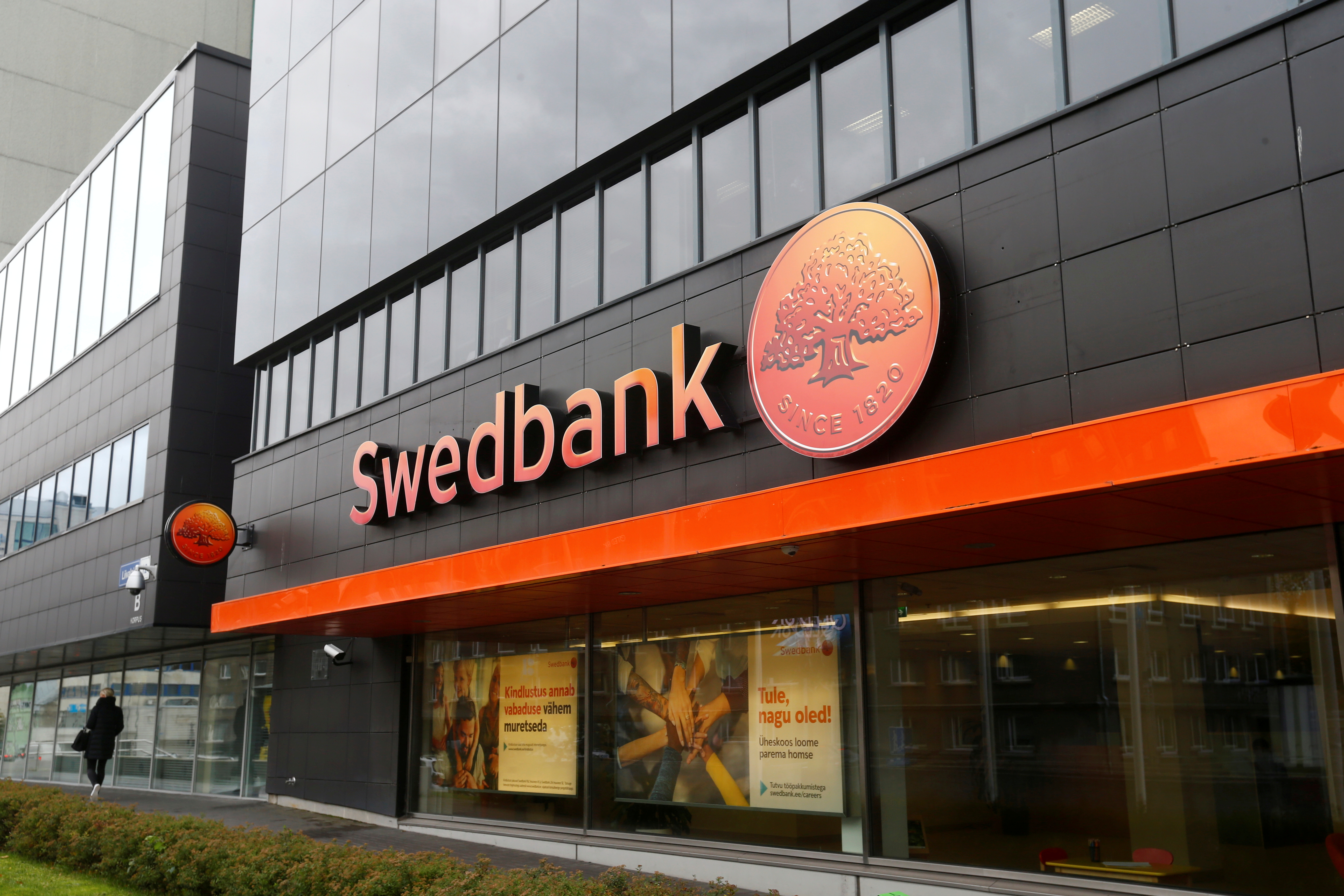 Swedbank revamps management after money laundering probe