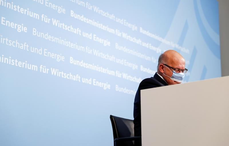 German economy minister says EU will support steelworkers
