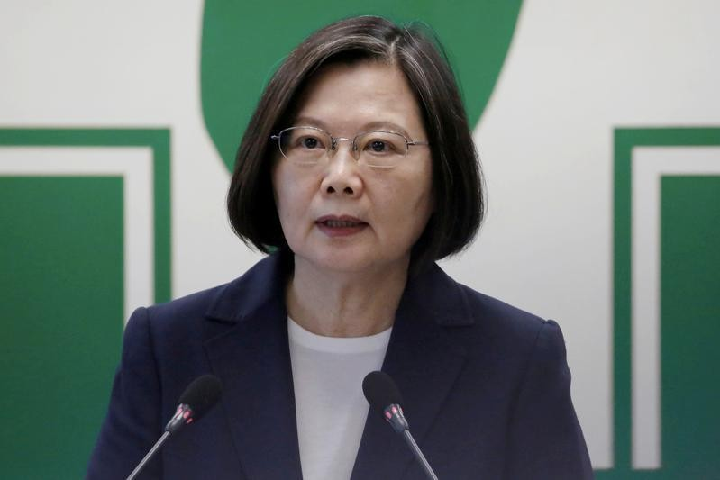 Caught in China-U.S. trade war, Taiwan offers support to chipmakers