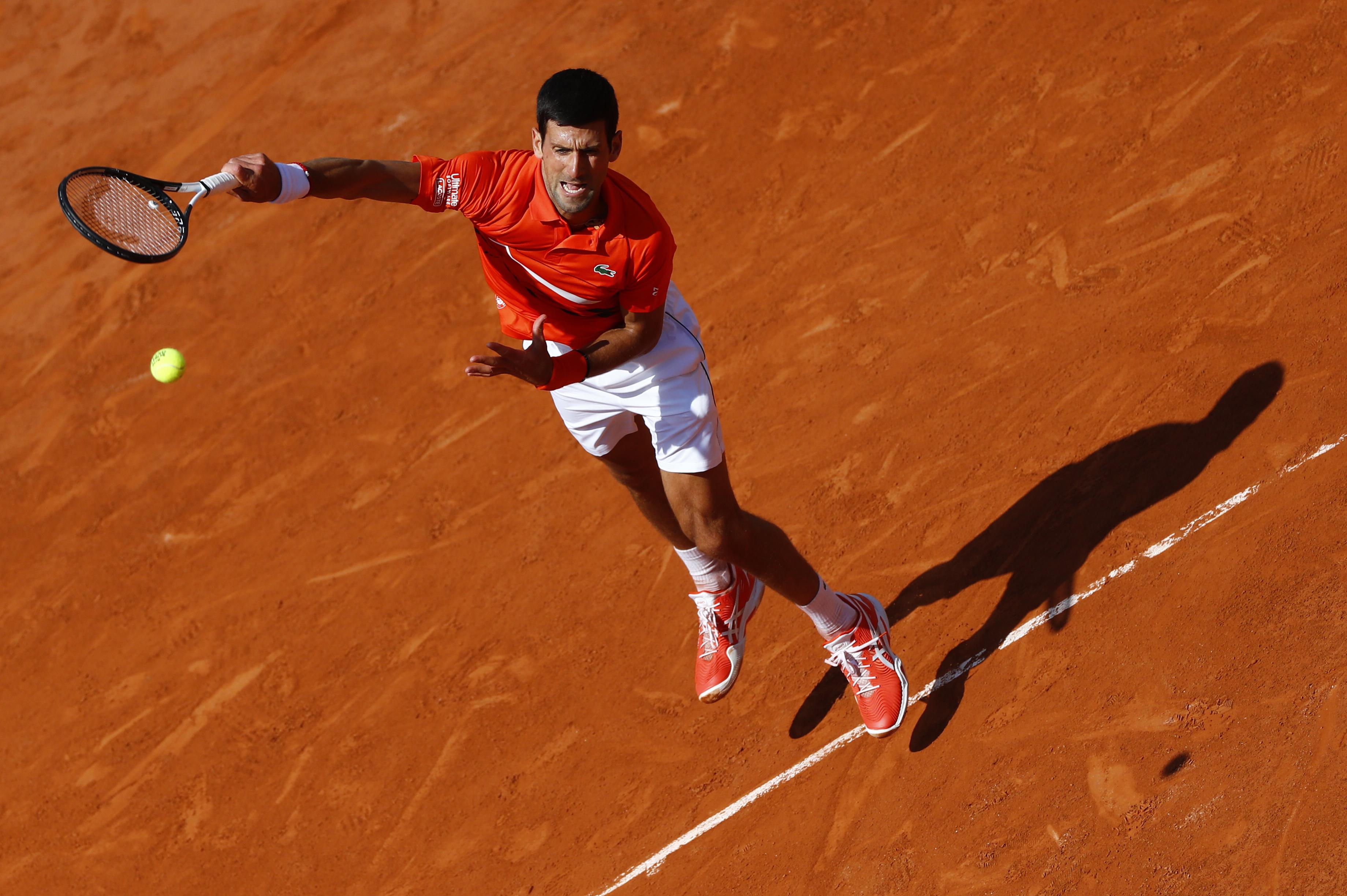 Djokovic vence a Zverev para meterse en la semifinal de Roland Garros, donde jugará contra Thiem