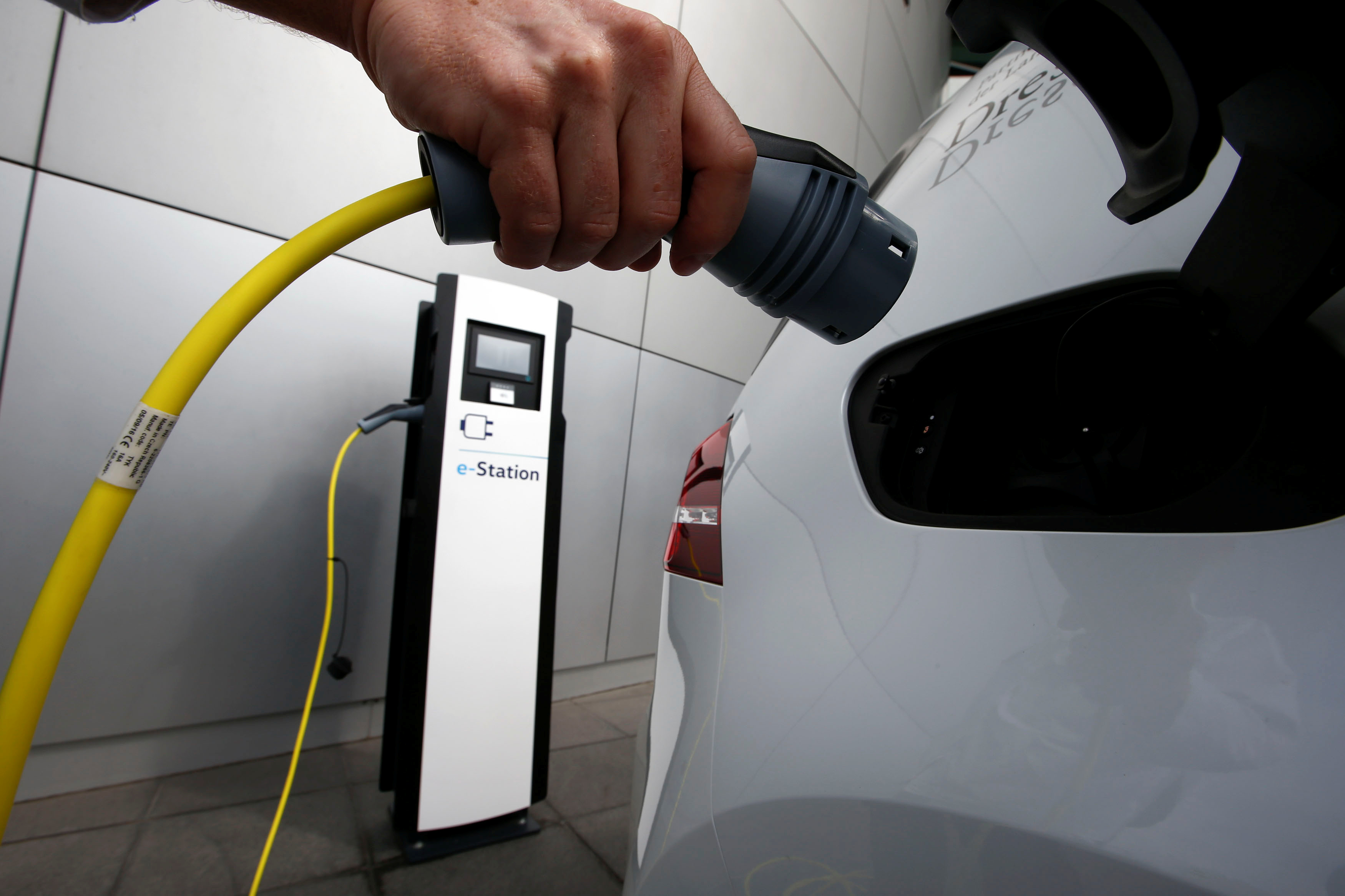 Altmaier erwartet ab 2021 Batterieproduktion in Deutschland