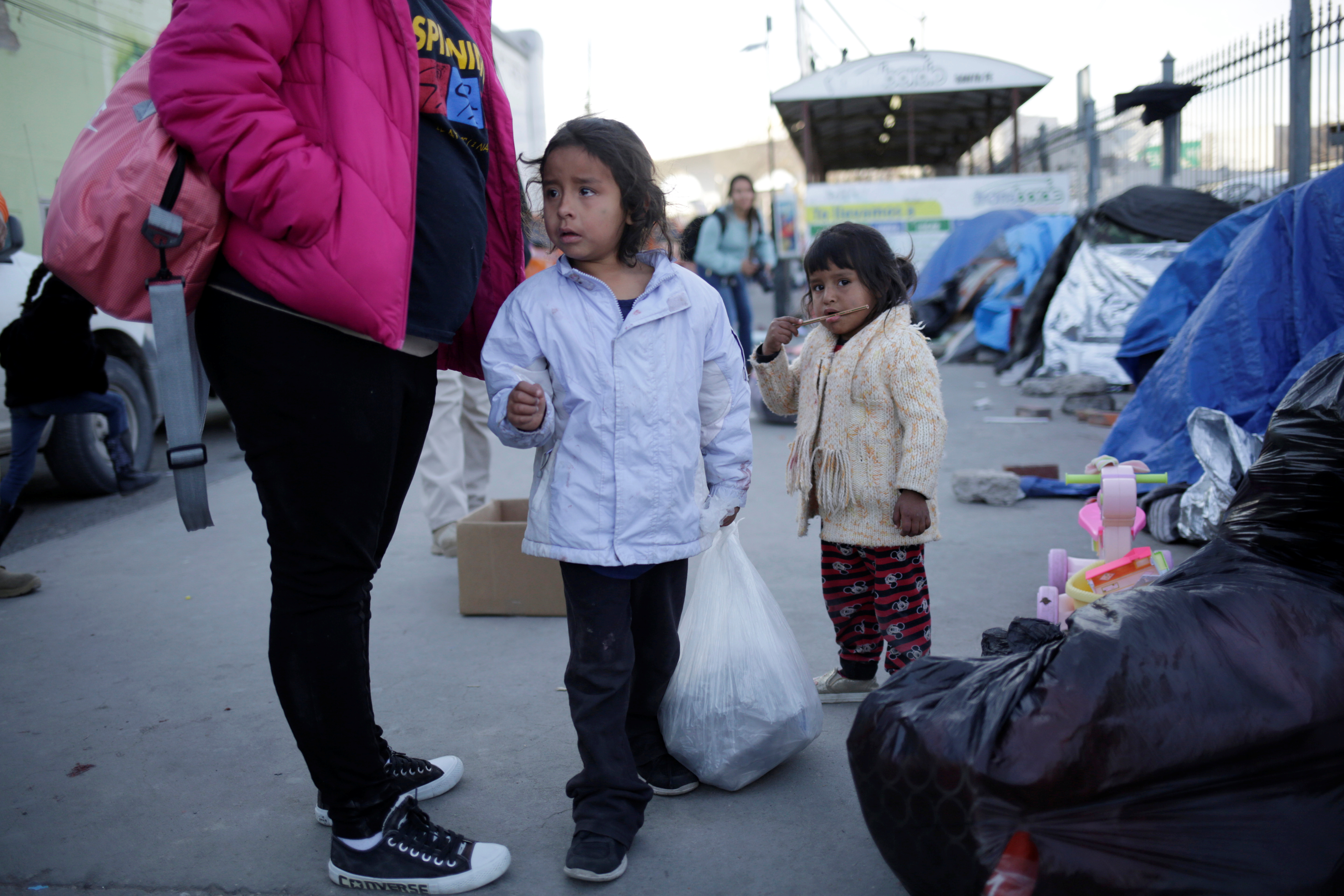 Judge rules in favor of Trump administration in family separation case