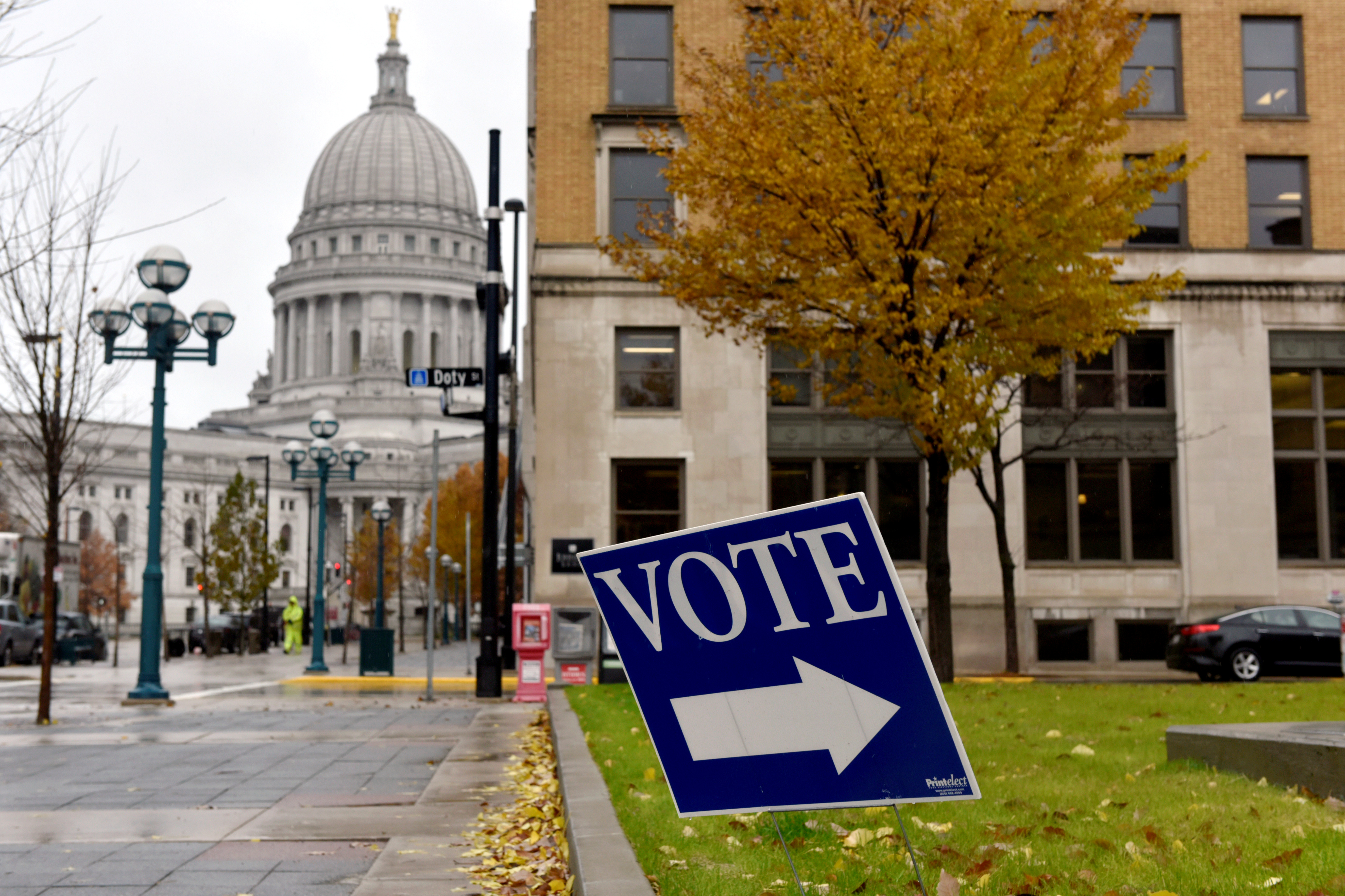 Judge blocks Republican-backed Wisconsin early-voting law