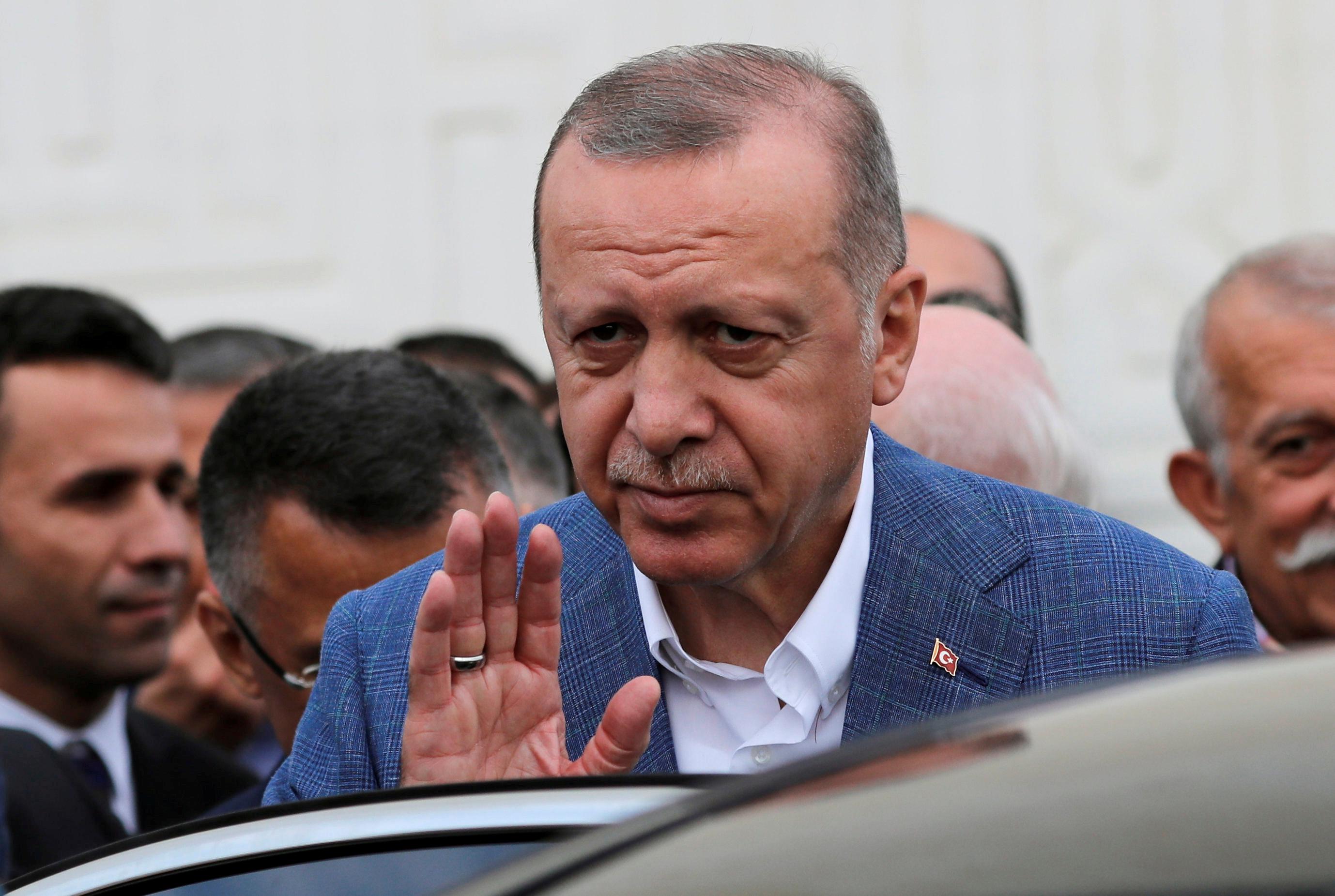 Erdogan says Turkey will receive Russian defense system 'very soon'