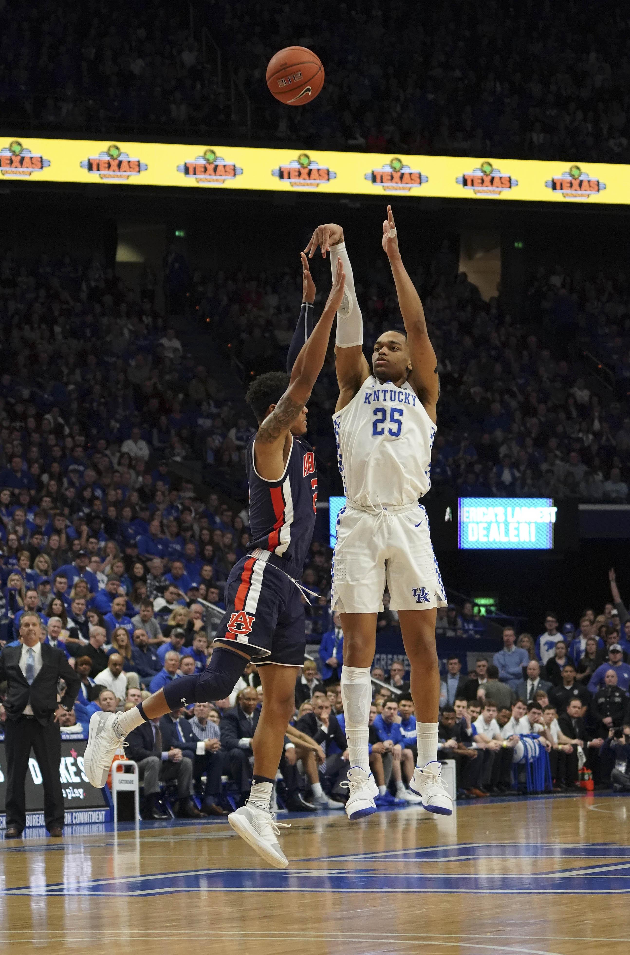 Washington helps No. 4 Kentucky pound Auburn