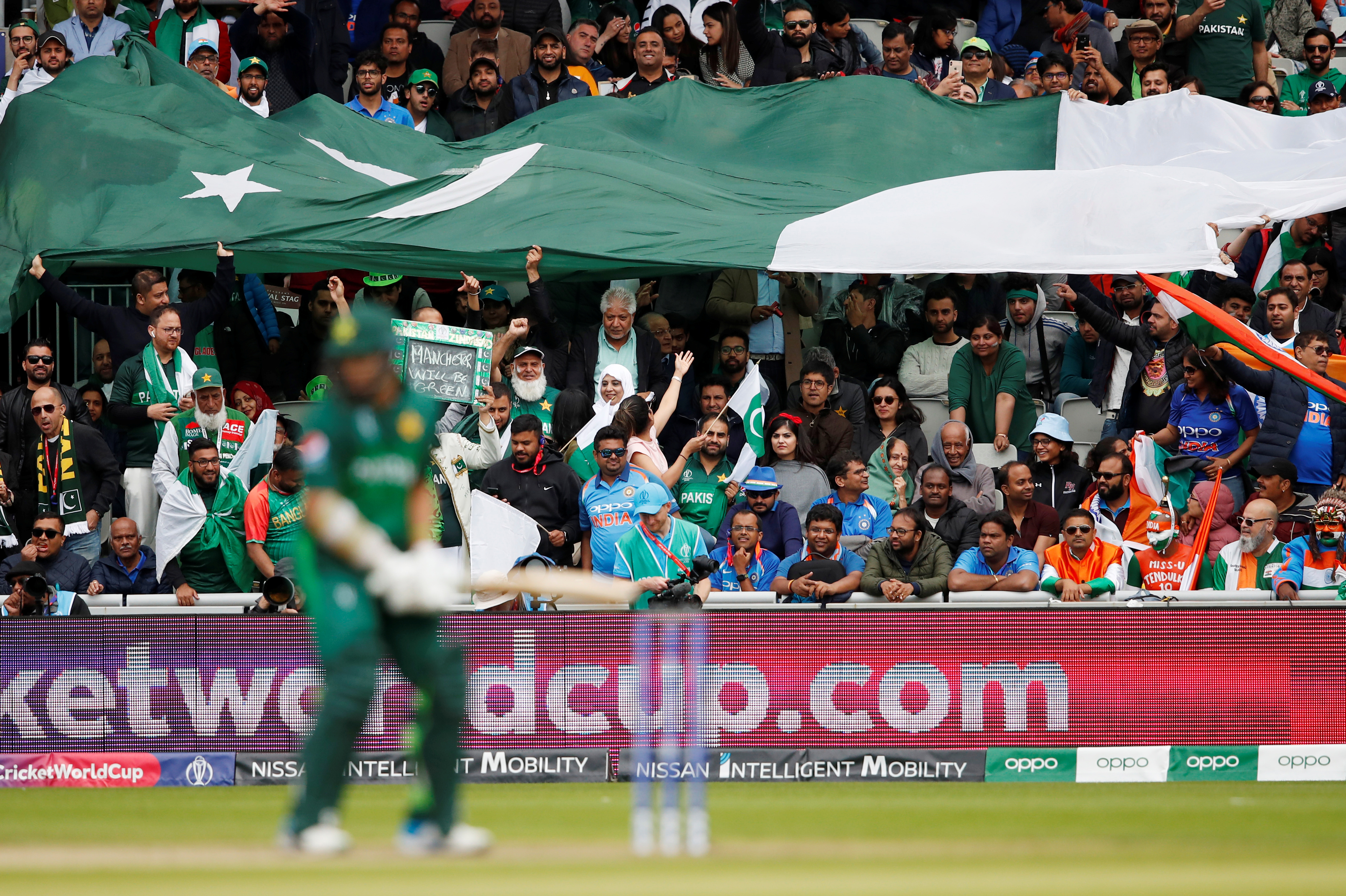 Cricket: Pakistan fans turn to humour to get over World Cup humbling by India