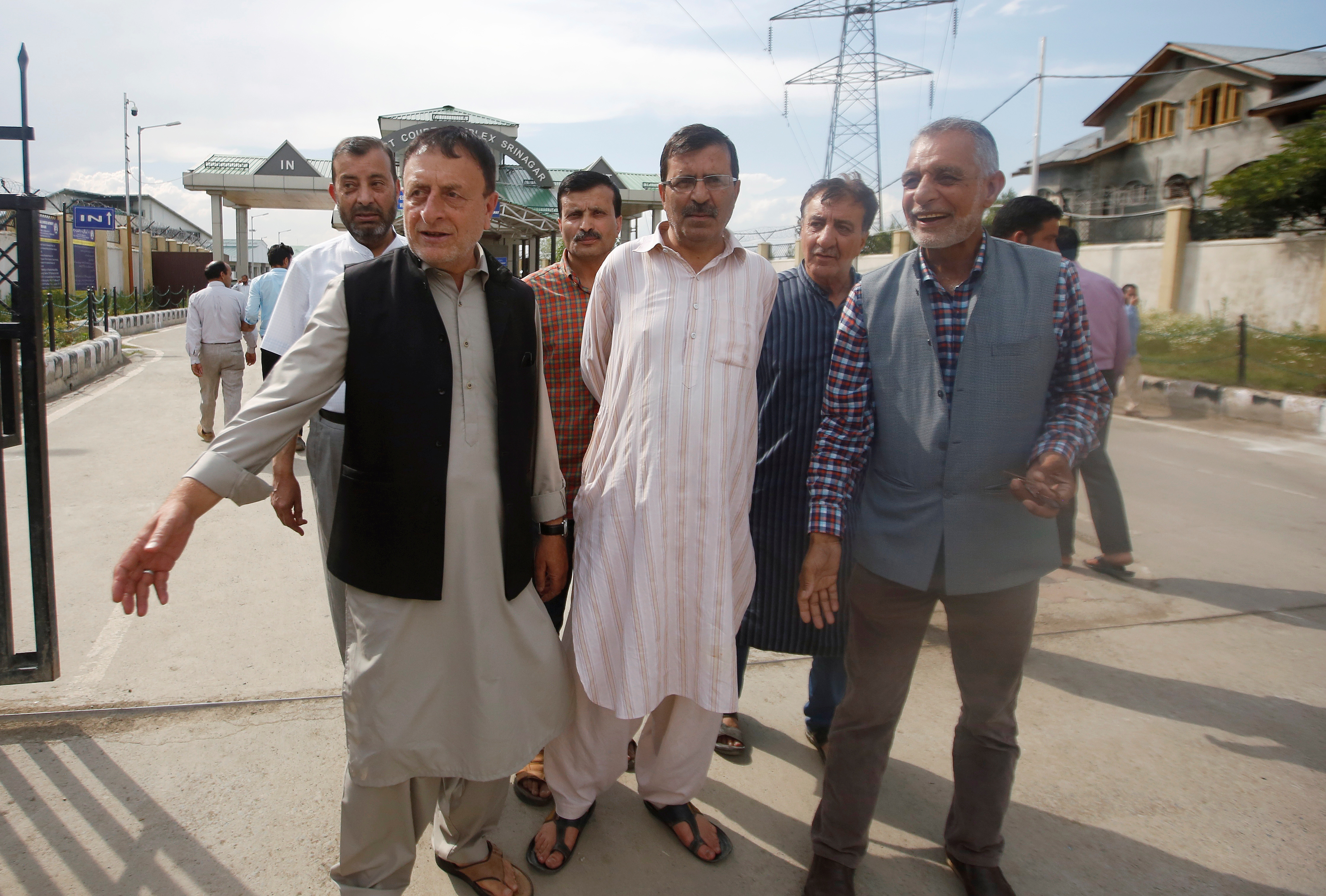 Police arrest newspaper publisher in midnight raid in Kashmir