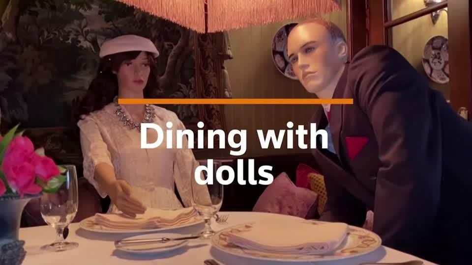 Glamorous dolls bring pandemic safety to Michelin star restaurant | Reuters Video