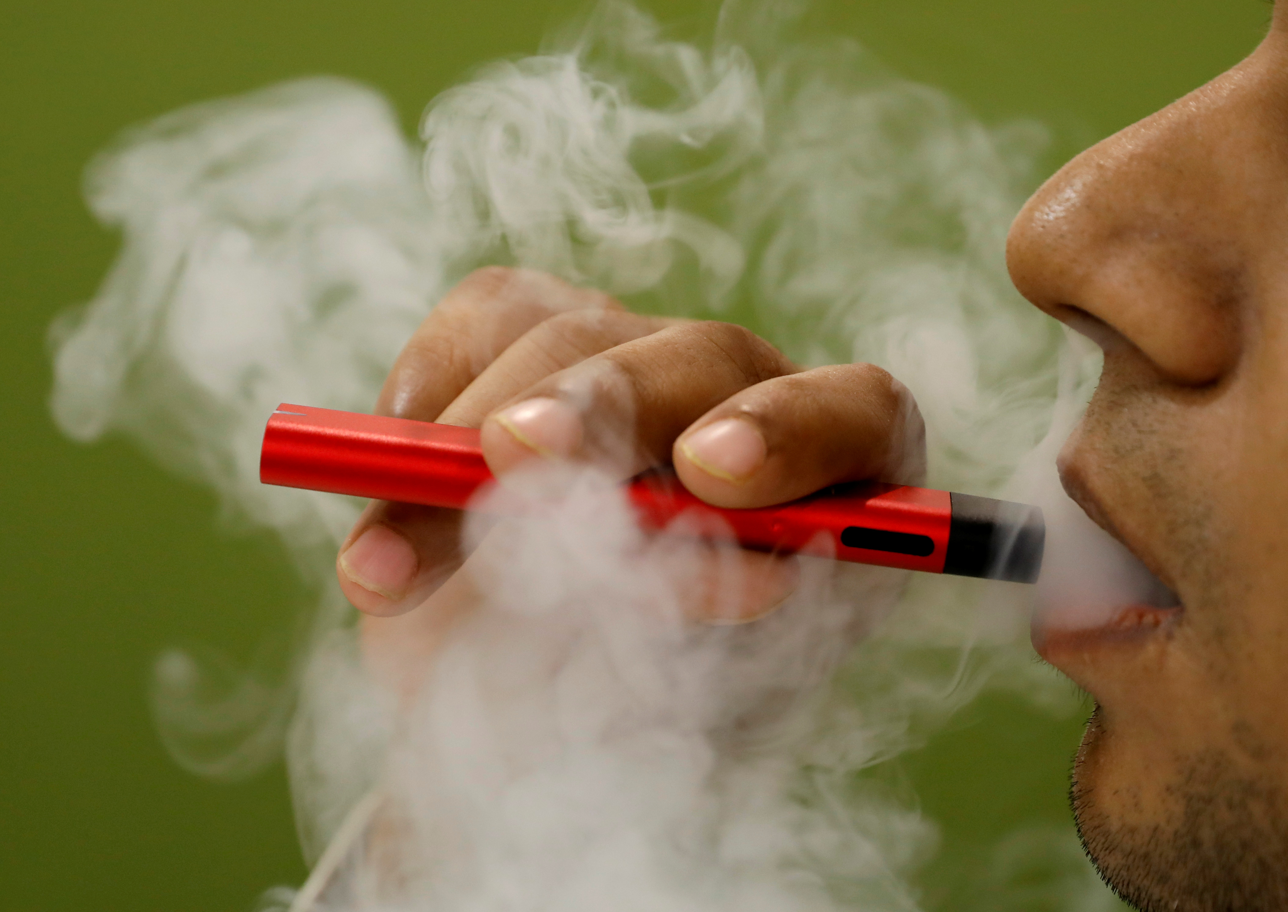 Flipkart, Amazon, others rush to pull vaping devices after India ban