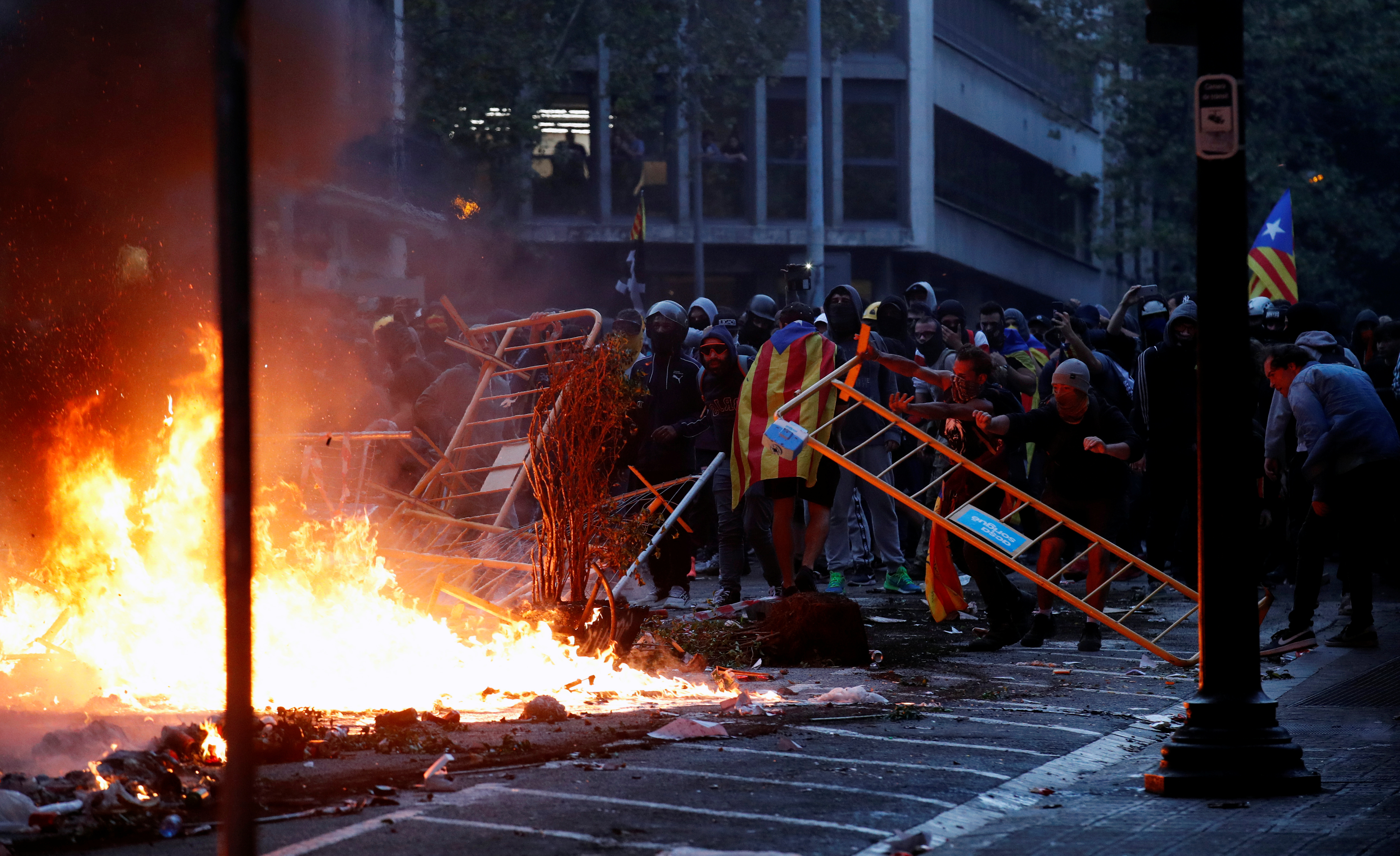 Spain calls in civil guard to outskirts of Barcelona