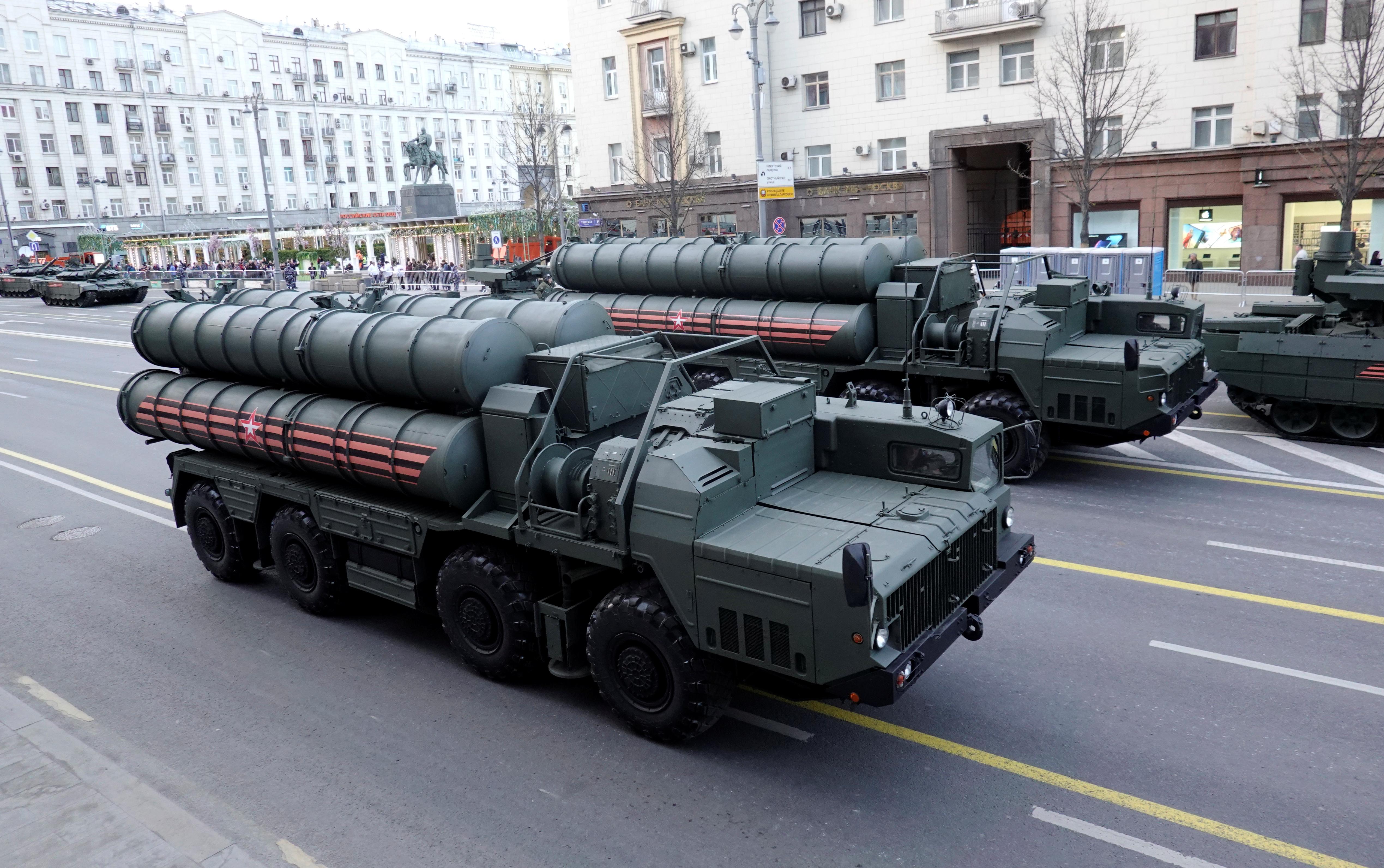 Kremlin condemns alleged U.S. ultimatum to Turkey over missile deal