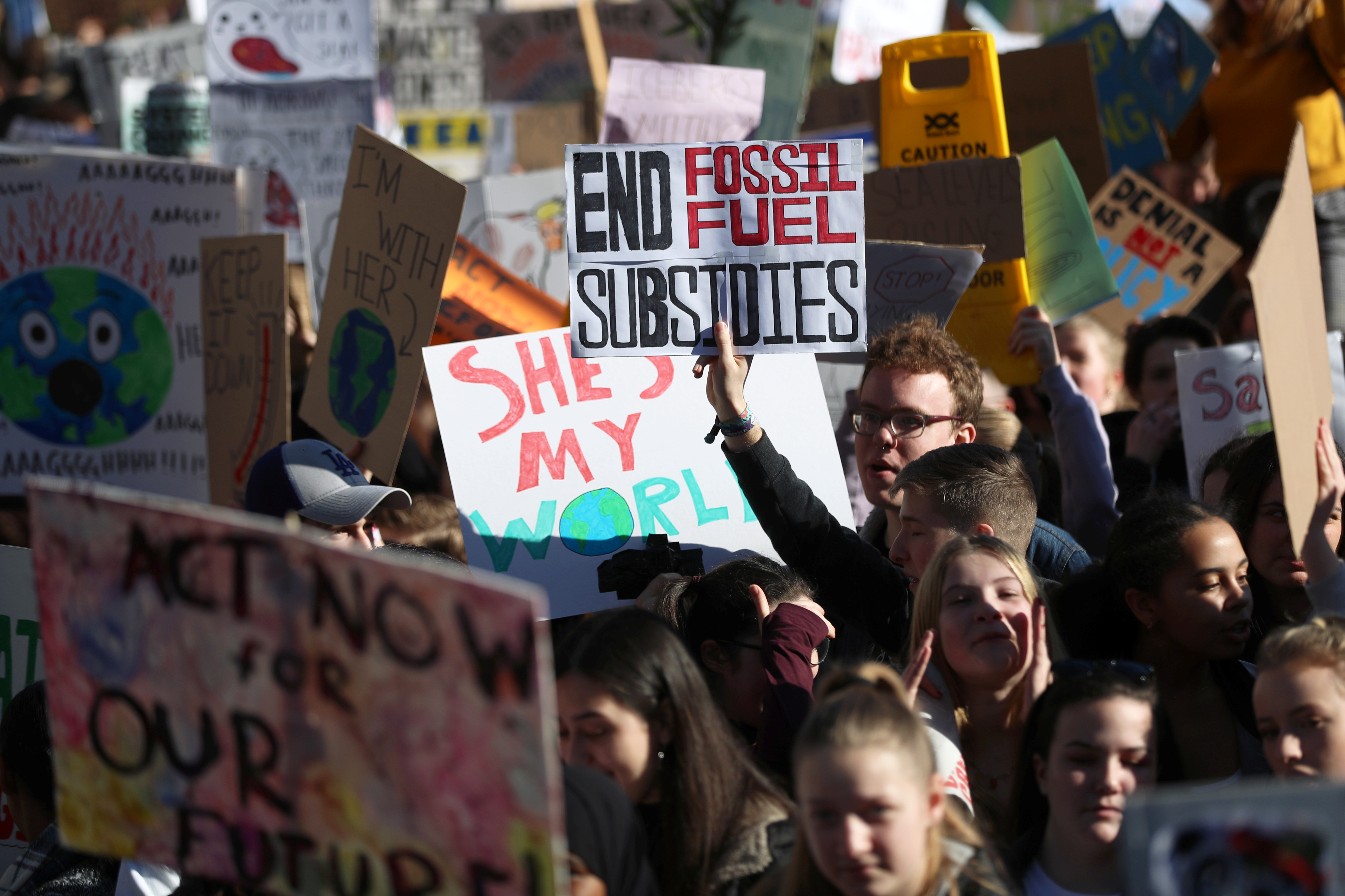British children walk out of lessons on climate strike