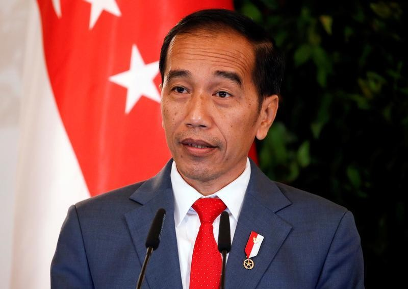 Indonesian president warns not to rush vaccines amid halal concern