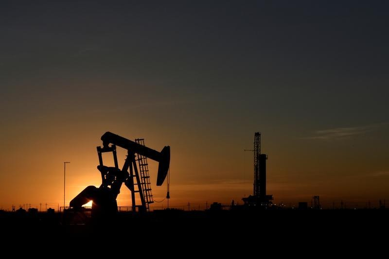 Oil ends higher, boosted by U.S. stimulus hopes