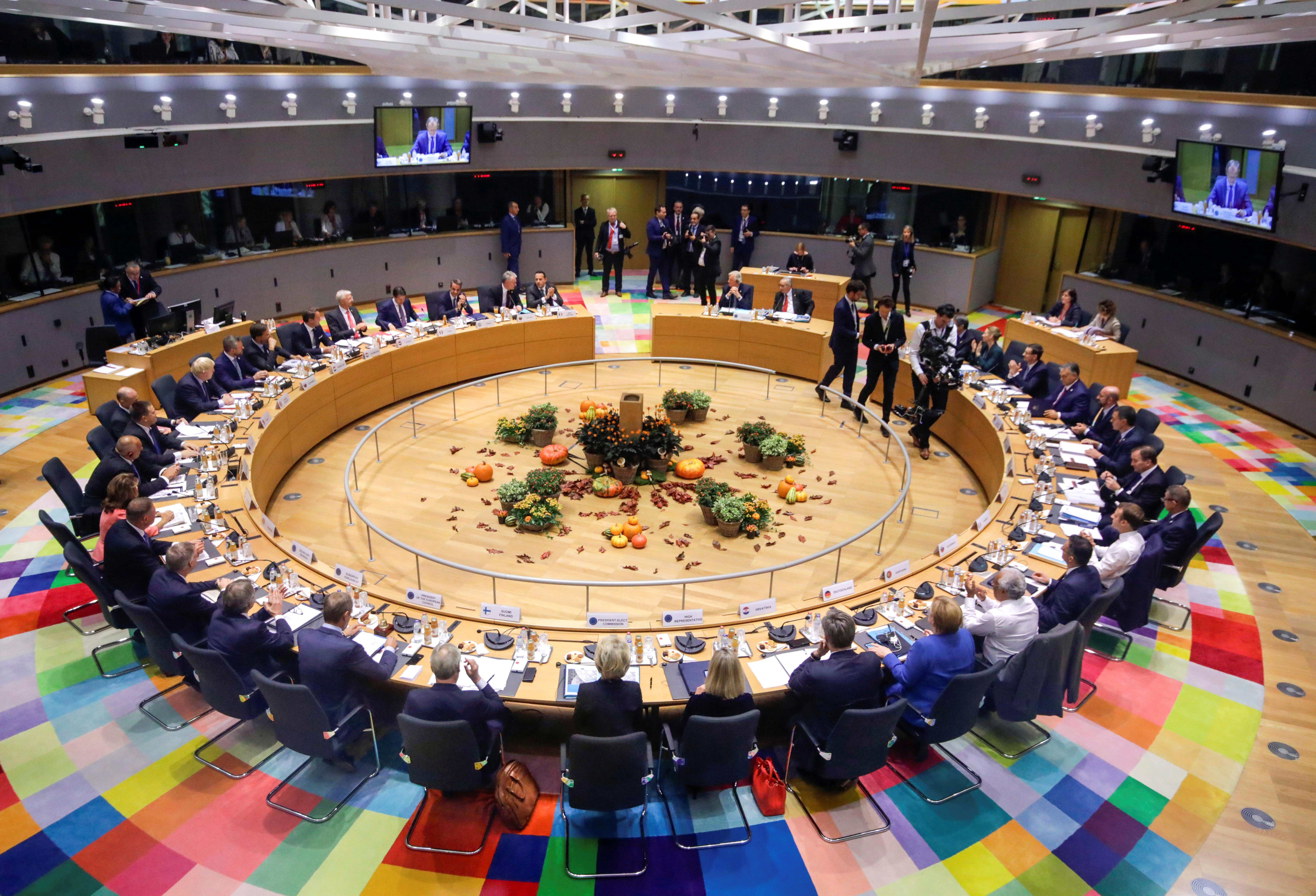 Ringen um eine Billion Euro - EU streitet über Finanzpaket