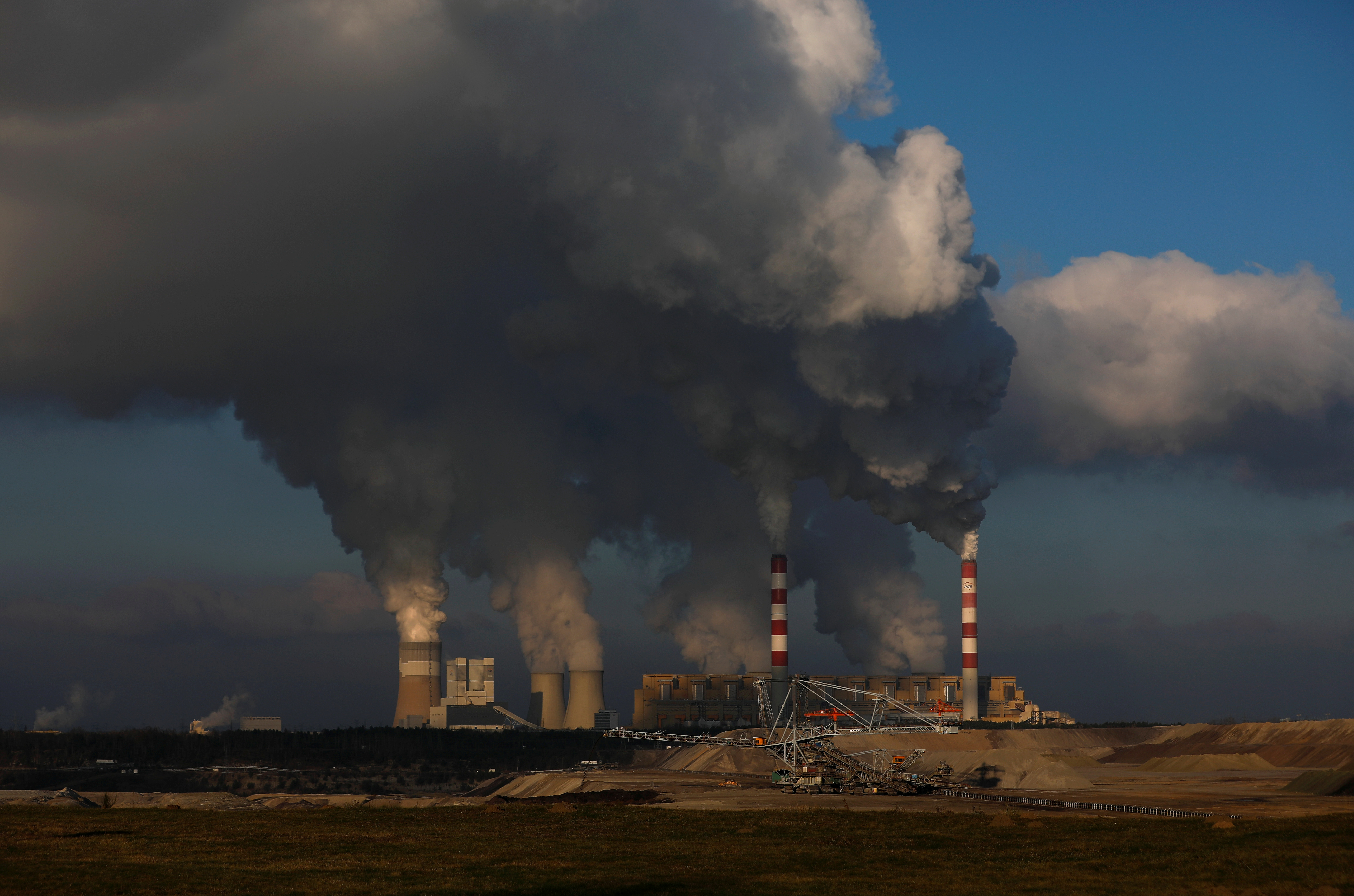 Investors managing $32 trillion in assets call for action on climate change