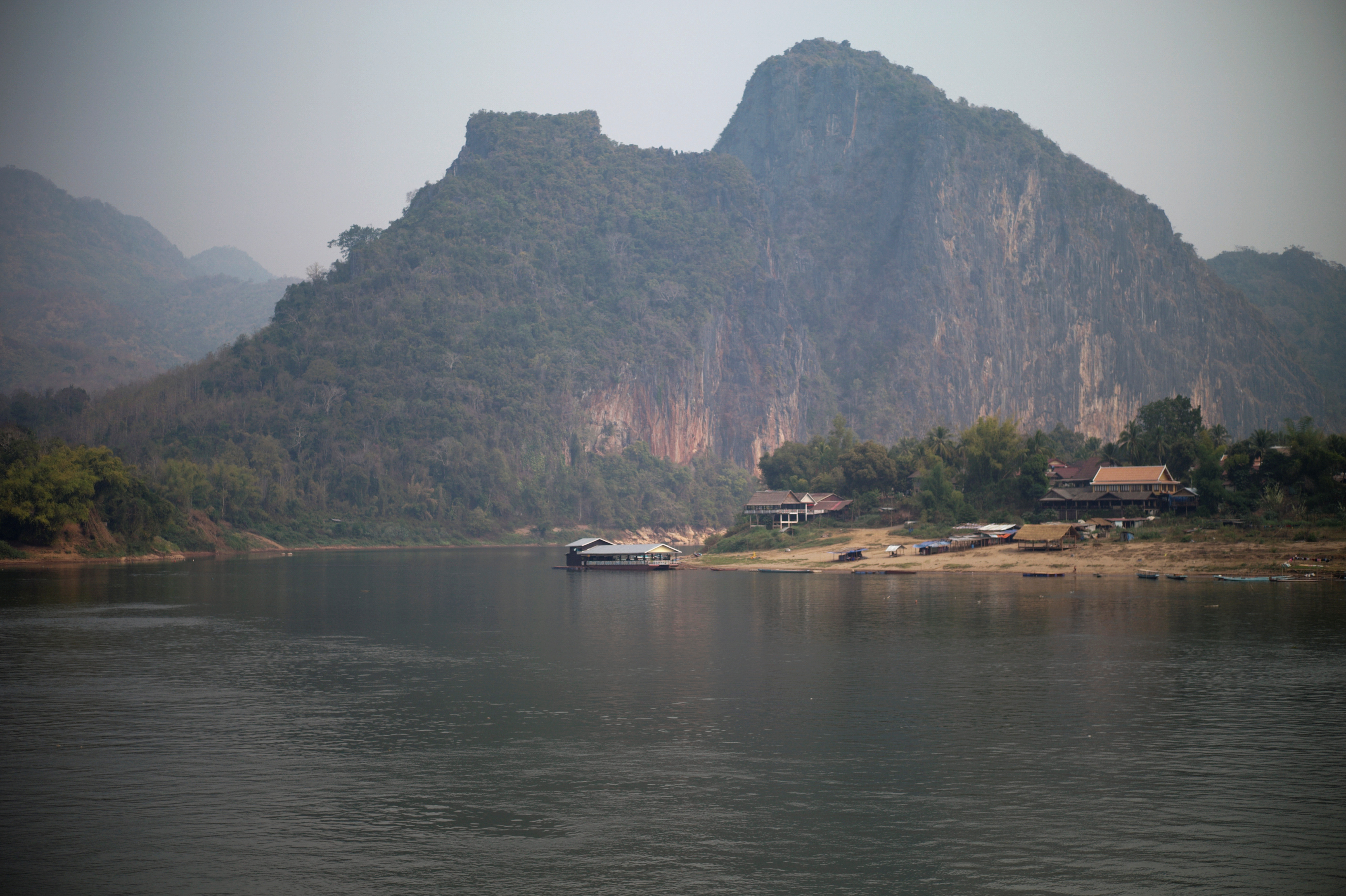 China says will help manage Mekong as report warns of dam danger