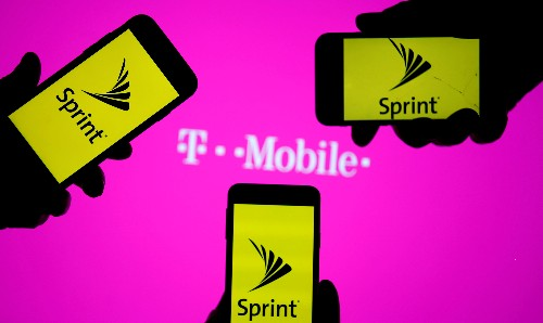 T-Mobile, Sprint lobby regulators to win U.S. approval for tie-up