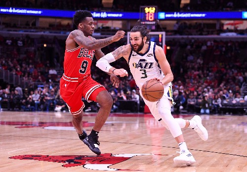 Jazz run away with 114-83 rout over Bulls