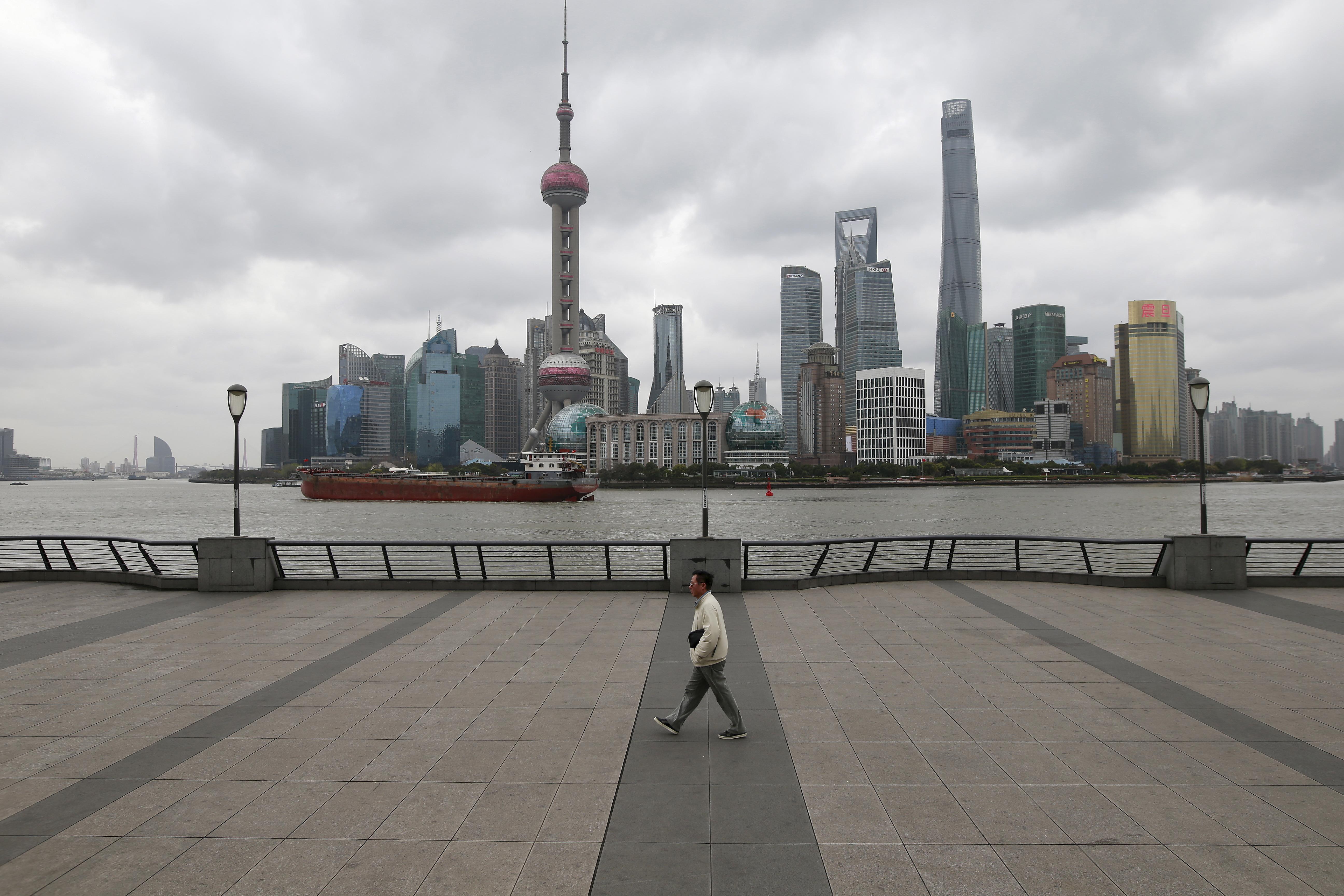 Borsa Shanghai chiude in calo su tensioni commerciali