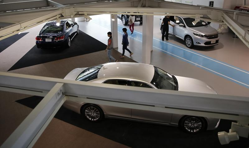 Japan's car lobby says domestic auto sales recovering, warns on consumer spending
