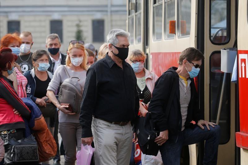Ukraine reports record daily coronavirus-related deaths