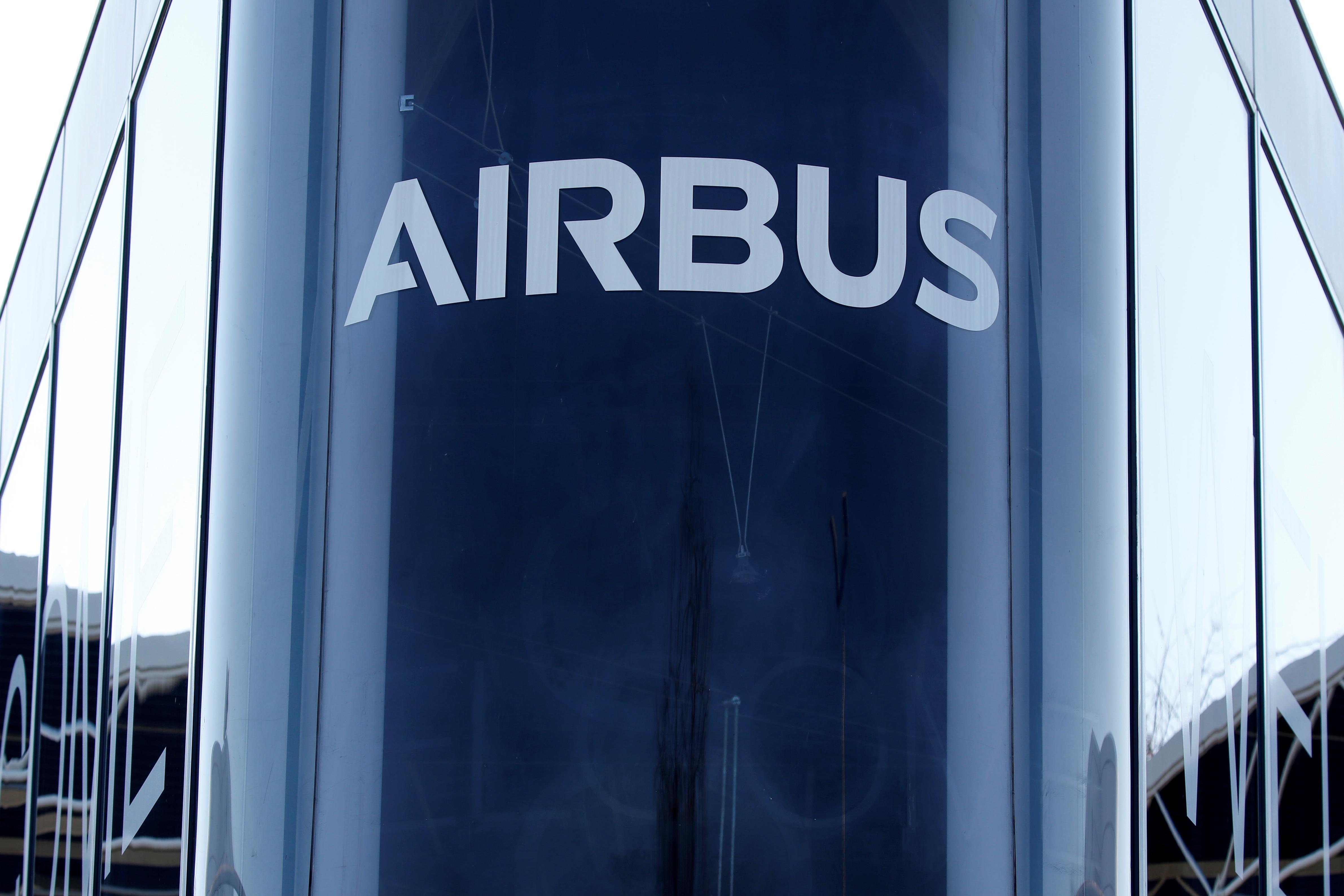 Airbus revoit en hausse sa prévision de demande d'avions neufs