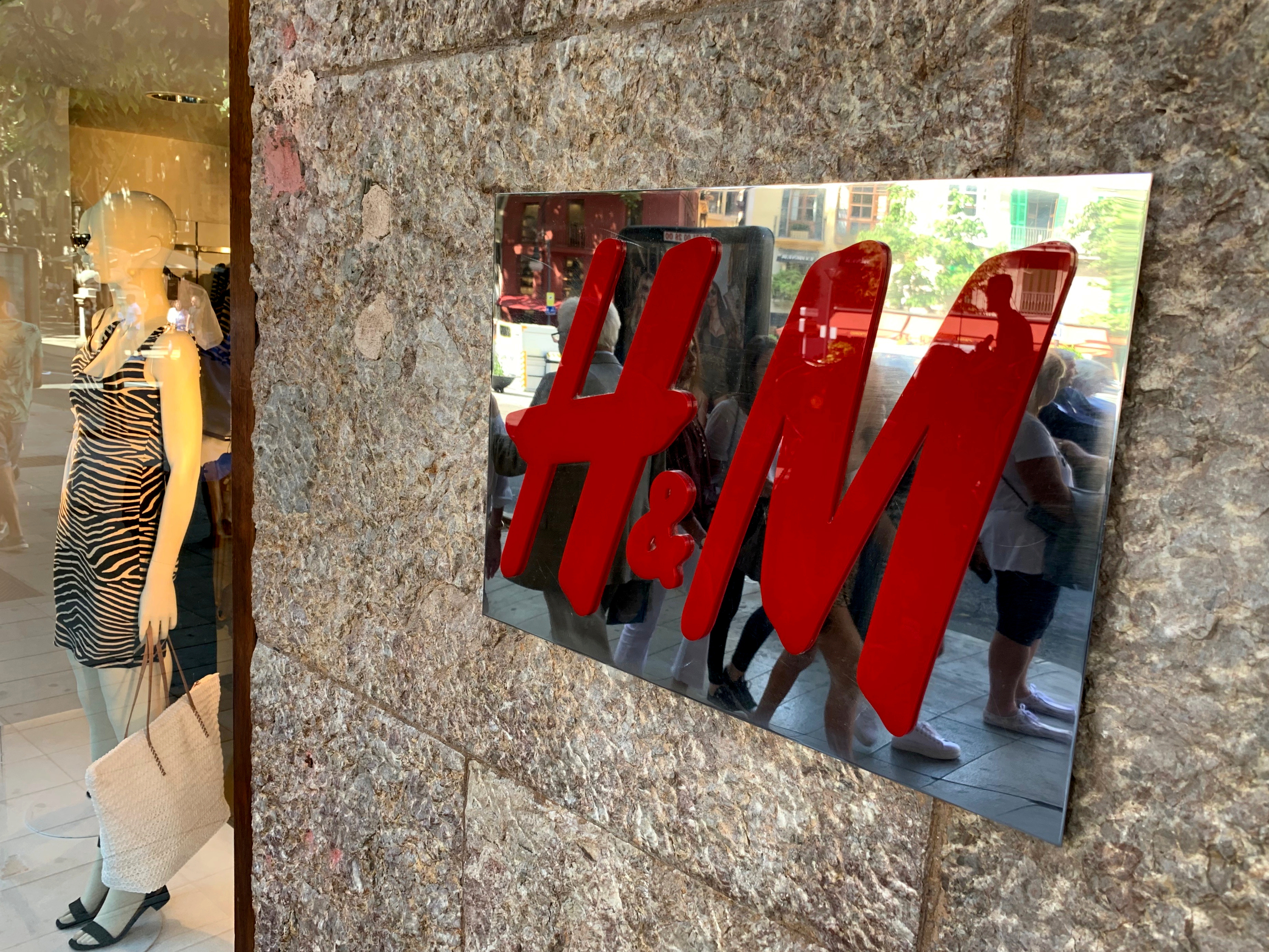 H&M to test selling external brands in strategy shift