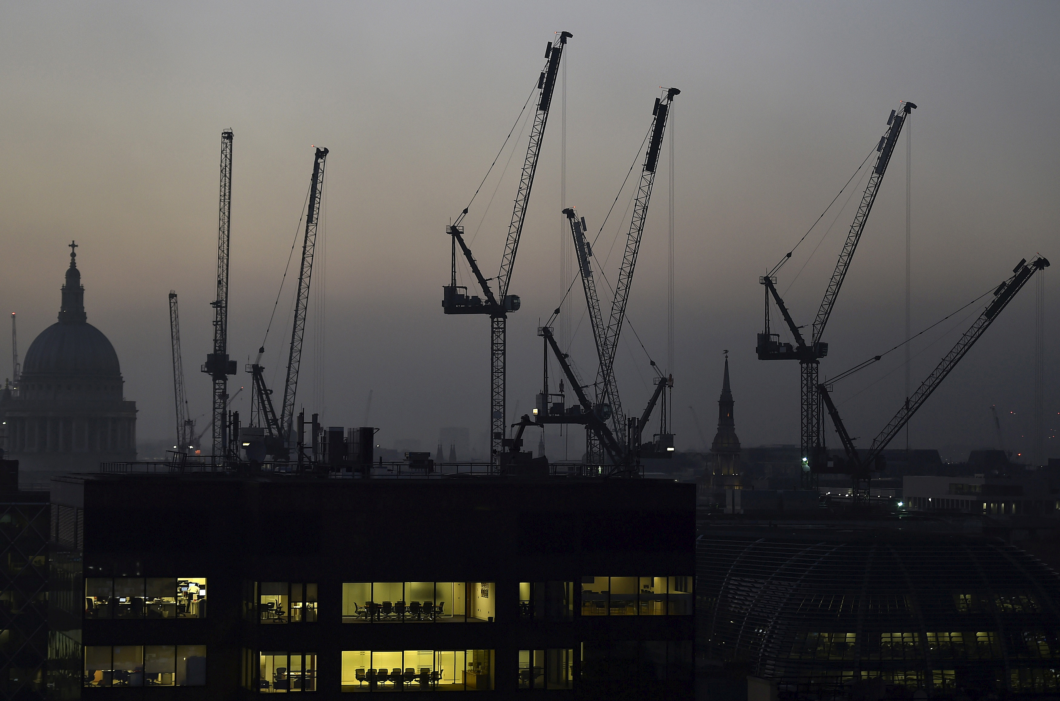 Prospect of no-deal Brexit is damaging business confidence, says CBI business lobby