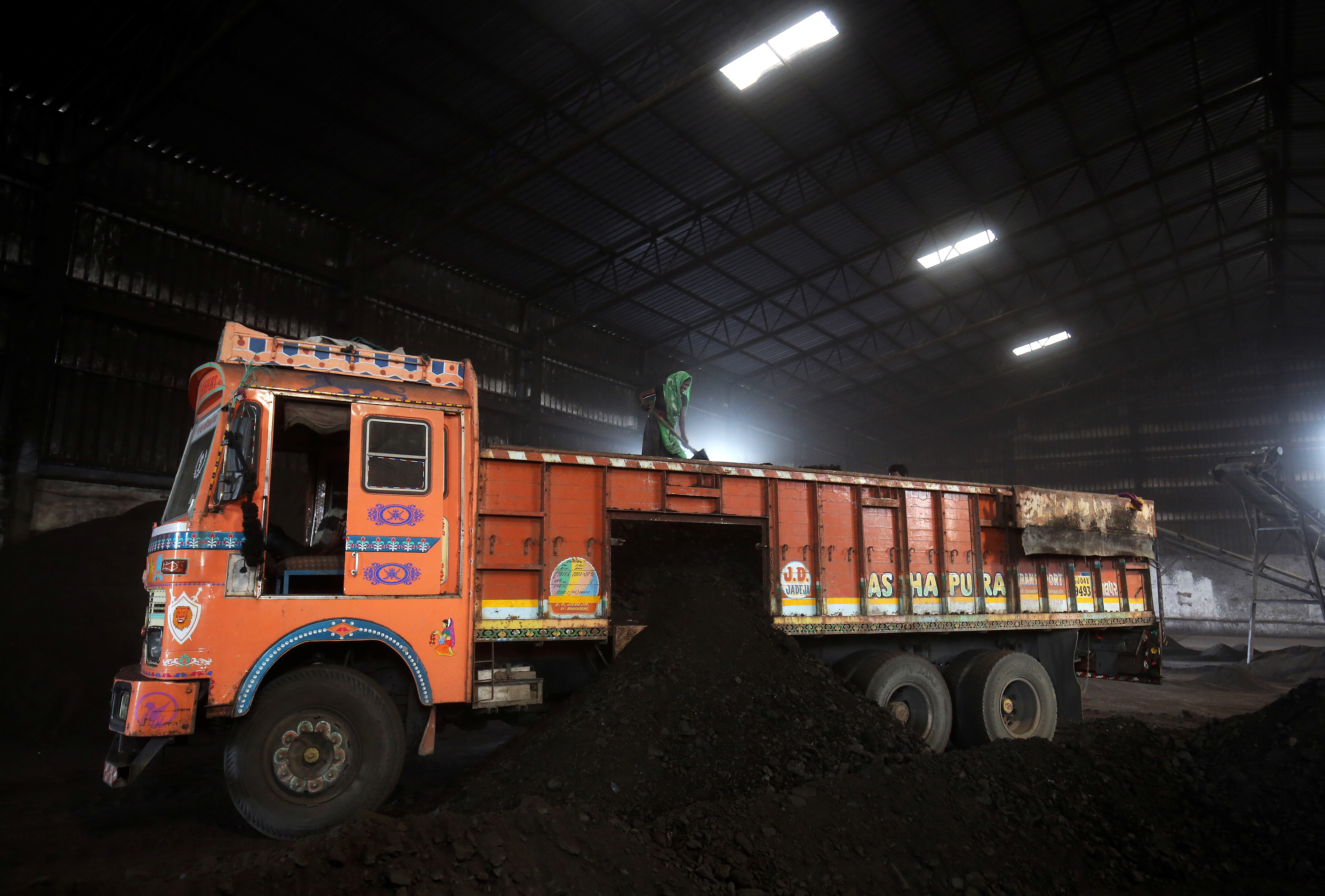 India readies policy to attract foreign investment in coal mining