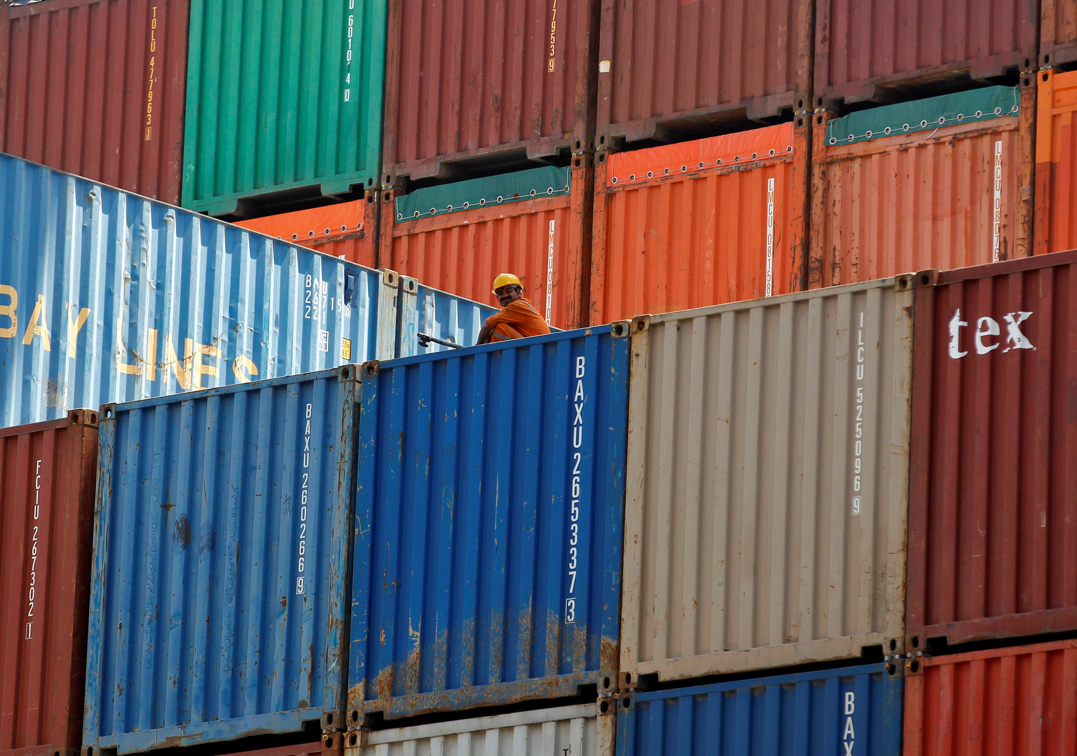 India's January trade deficit widens, slow exports growth a concern