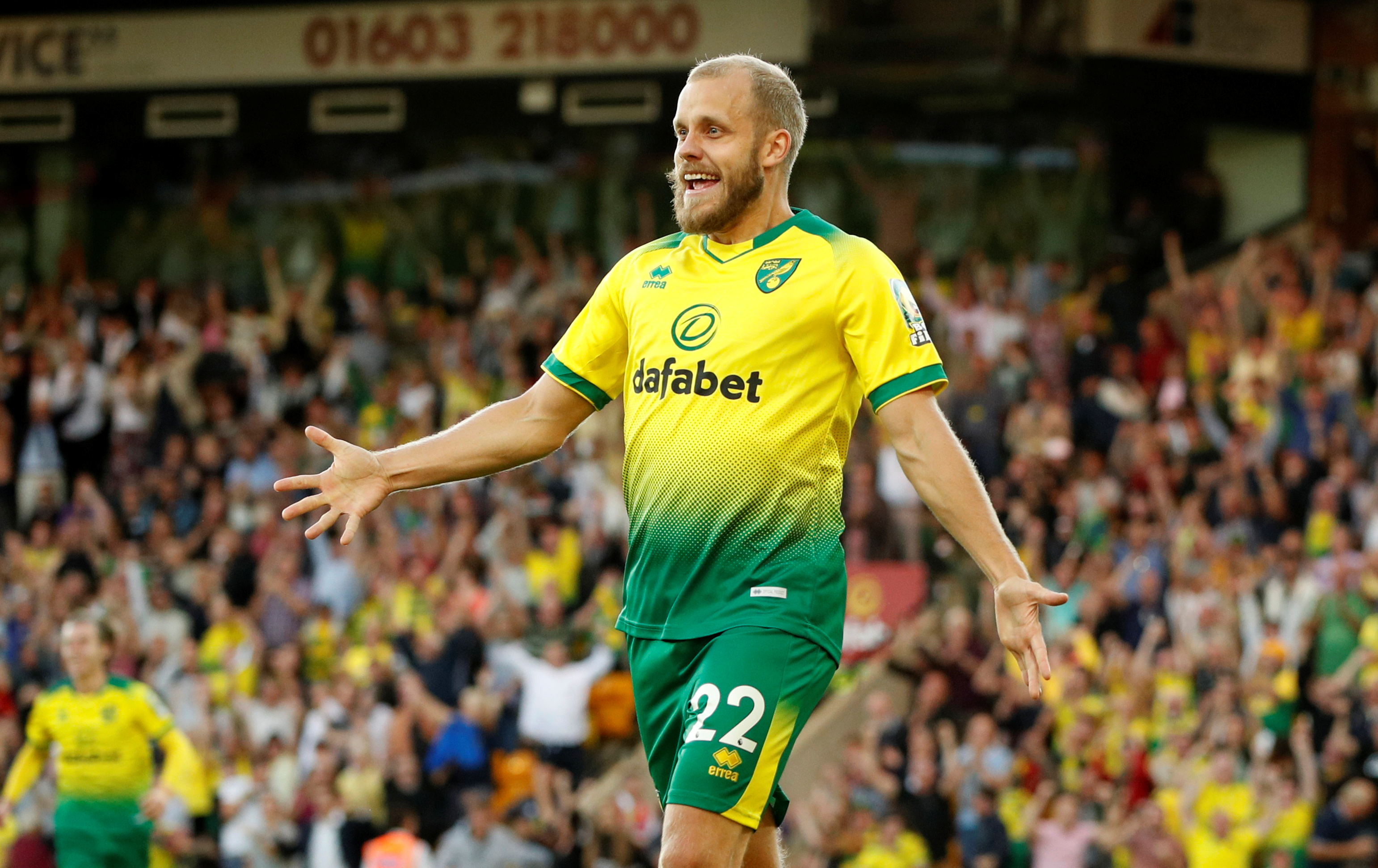 Pukki fever reaches France as Macron is gifted Finn's jersey