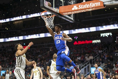 Young's last-second bucket lifts Hawks over Sixers