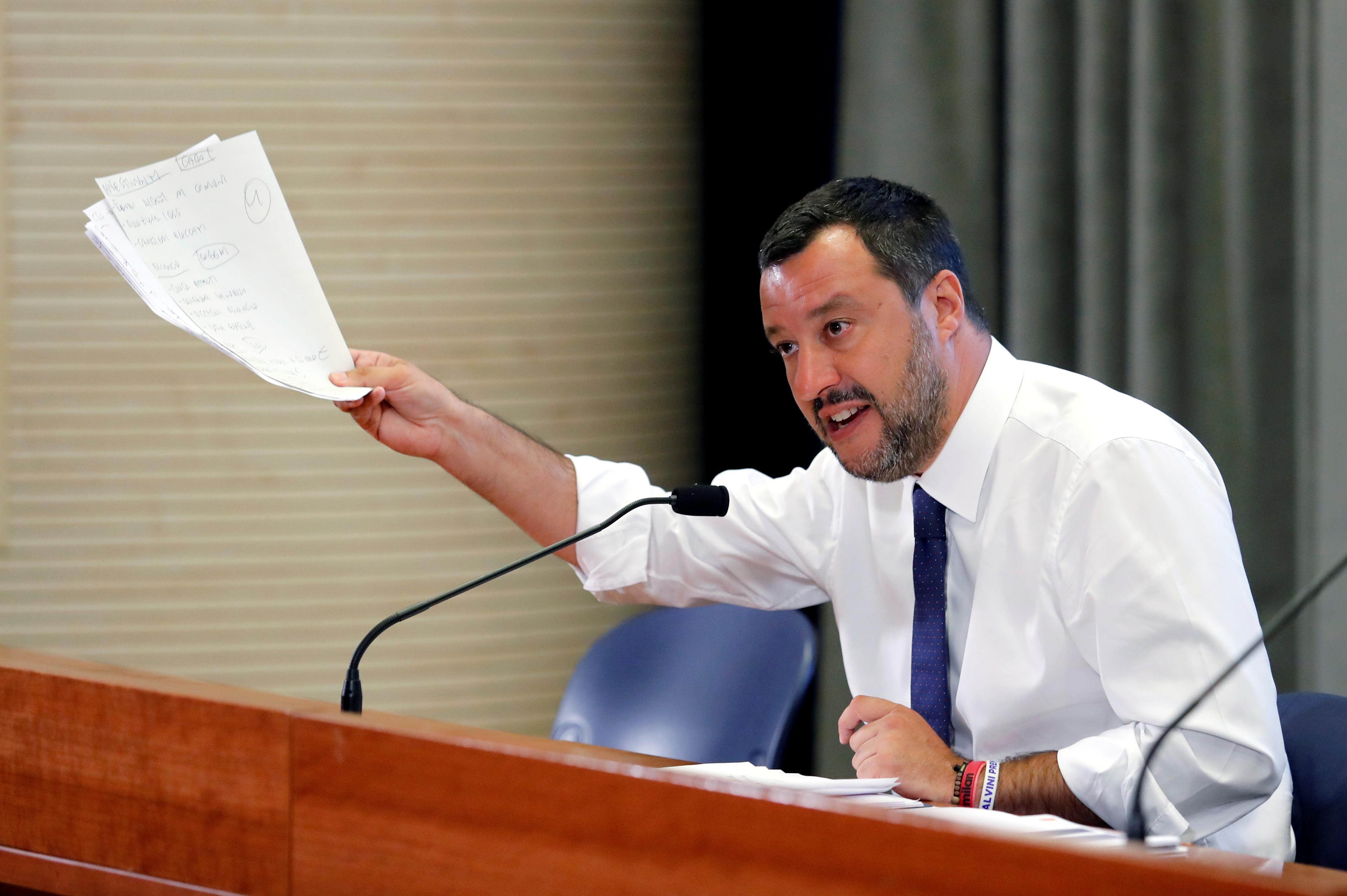 Salvini: necessario ridiscutere con Ue vincoli bilancio
