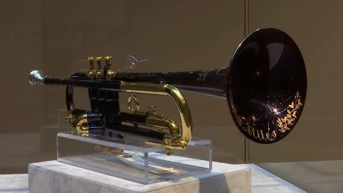 Kind of Blue - Miles Davis' blue trumpet is sold at auction | Reuters Video