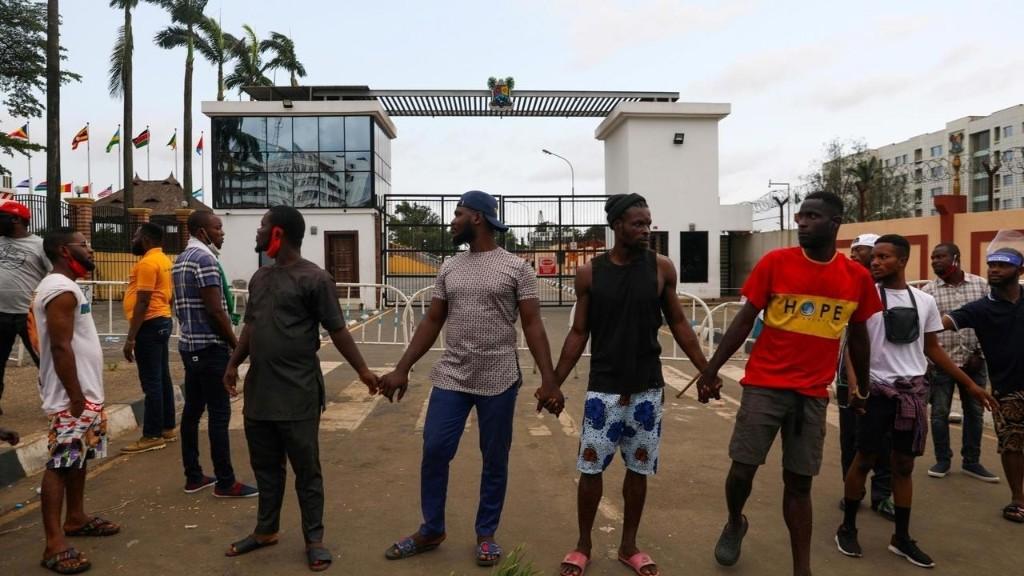 Nigeria: Buhari lance un appel à la paix mais n'évoque pas l'intervention de l'armée
