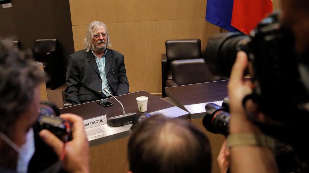 دیدیه رائولت، پزشک فرانسوی و مدافع داروی «کلروکین» برای درمان کووید ۱۹، به «شهادت دروغ» متهم شد