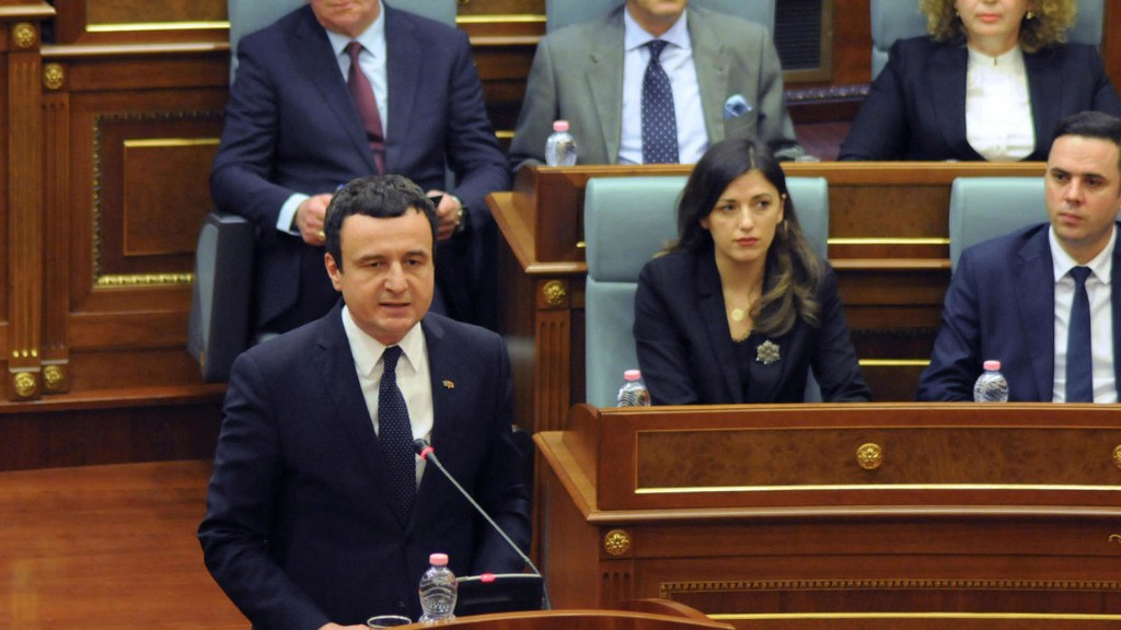 À la Une: chute du Premier ministre Kurti et nouveau gouvernement au Kosovo